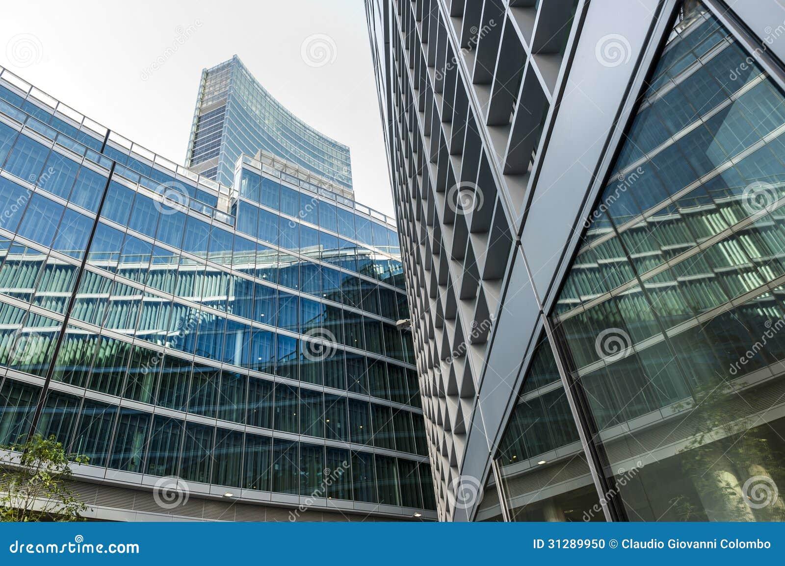 Edifici per uffici moderni a milano lombardia italia for Uffici temporanei milano prezzi