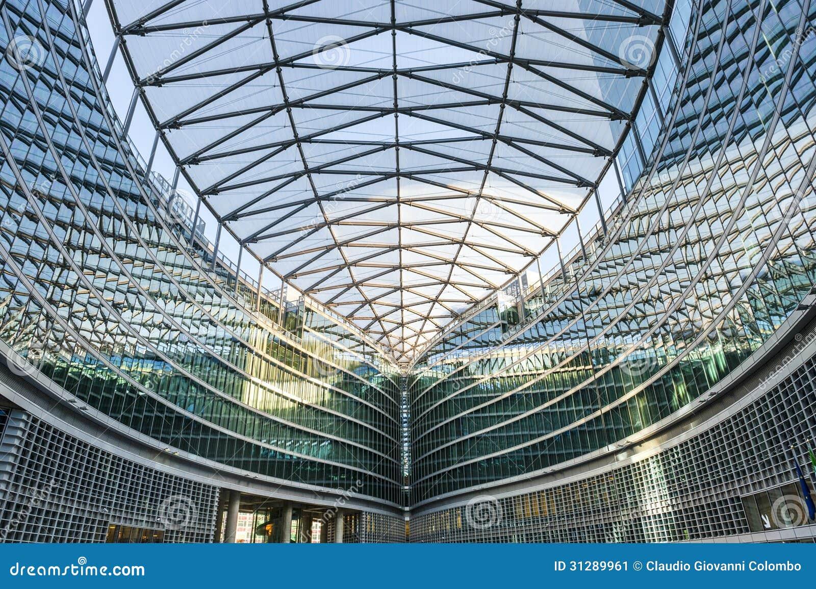edifici per uffici moderni a milano lombardia italia