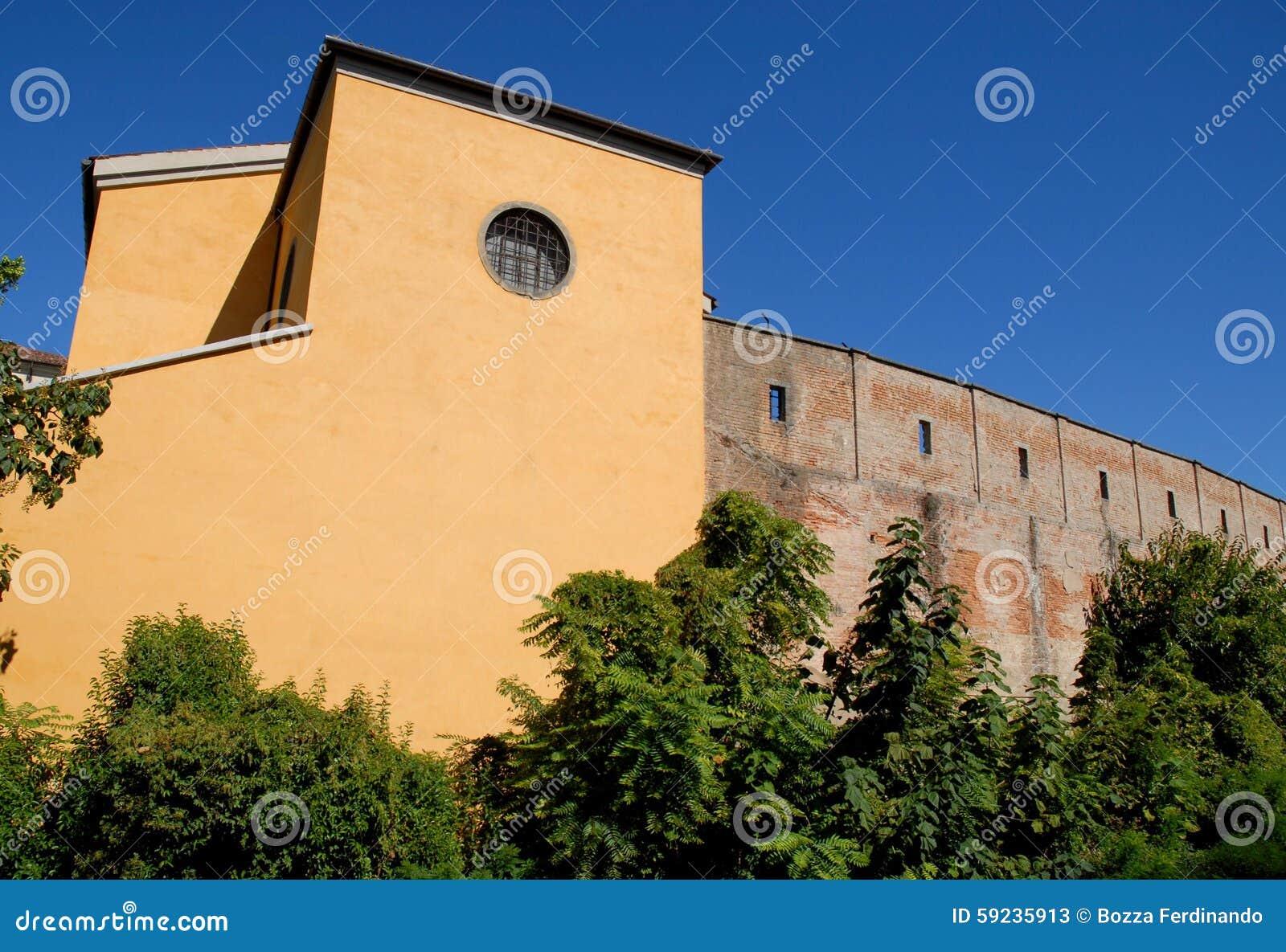 Download Edificio Amarillo Con Las Paredes De La Ciudad Antigua En Padua En Véneto (Italia) Imagen de archivo - Imagen de right, circular: 59235913