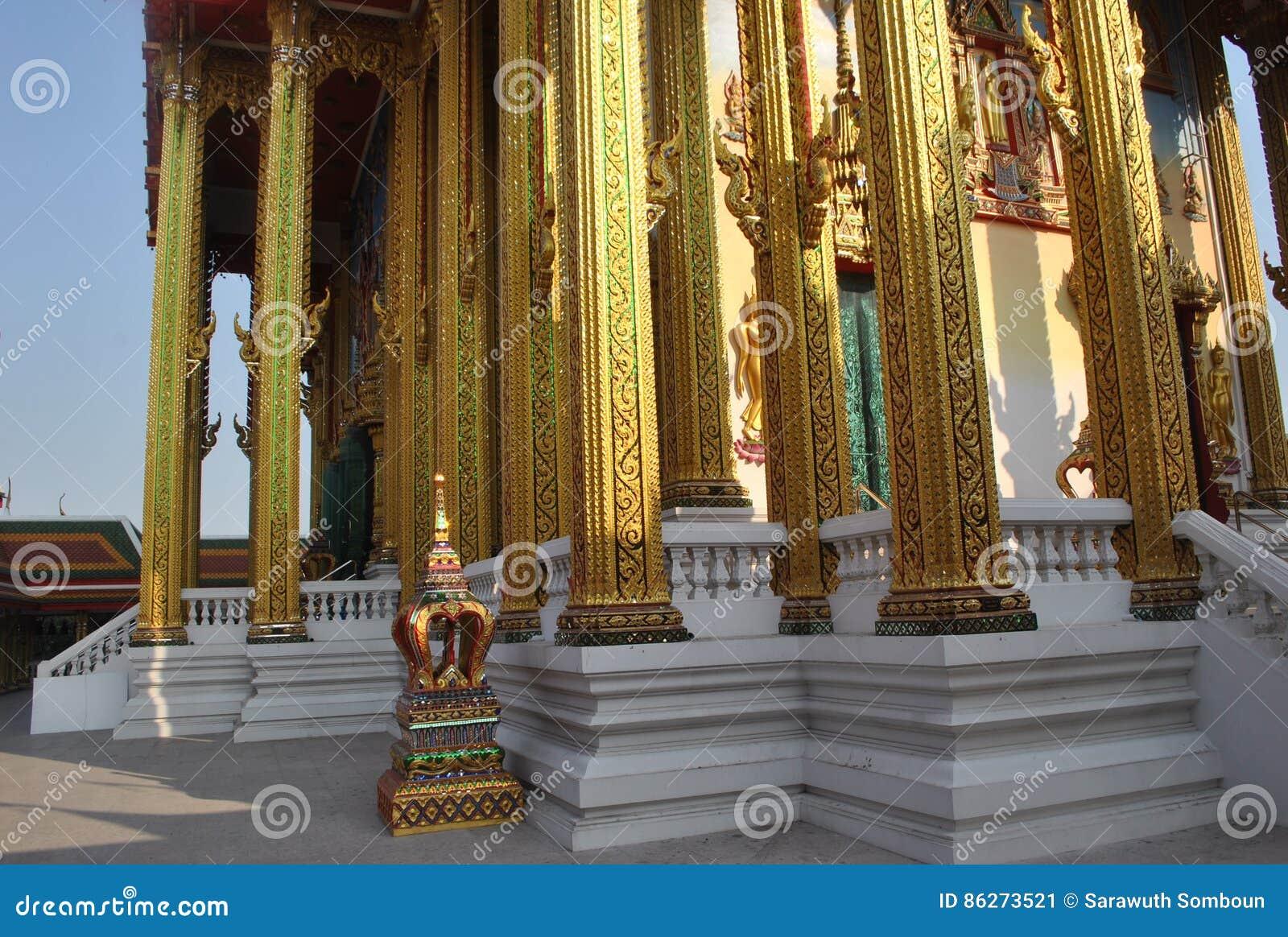 Edificio budista de la arquitectura hermosa en el nonthaburi buakwan Tailandia del wat del templo