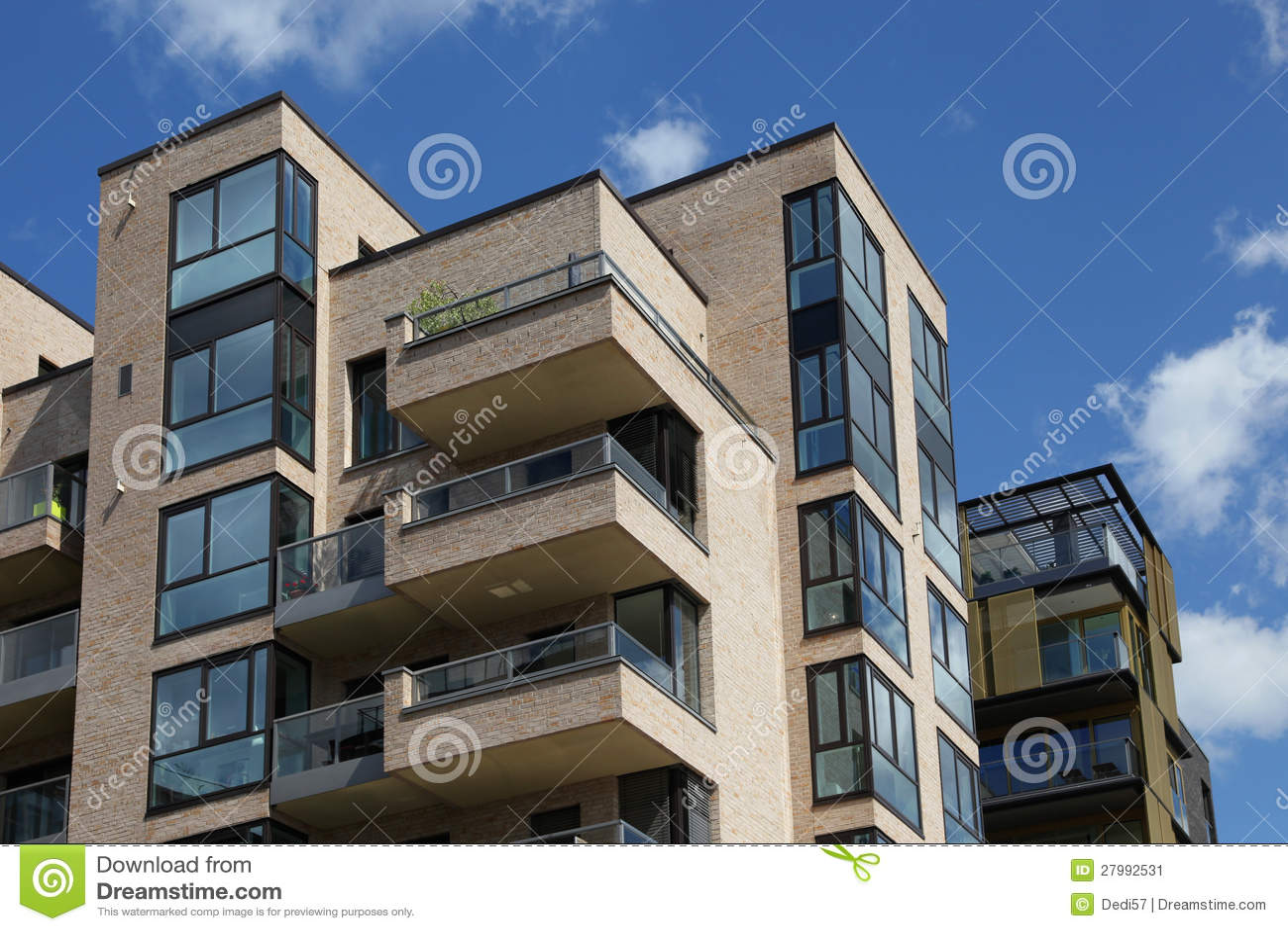 Edificio de apartamentos moderno imagen de archivo for Fotos apartamentos modernos