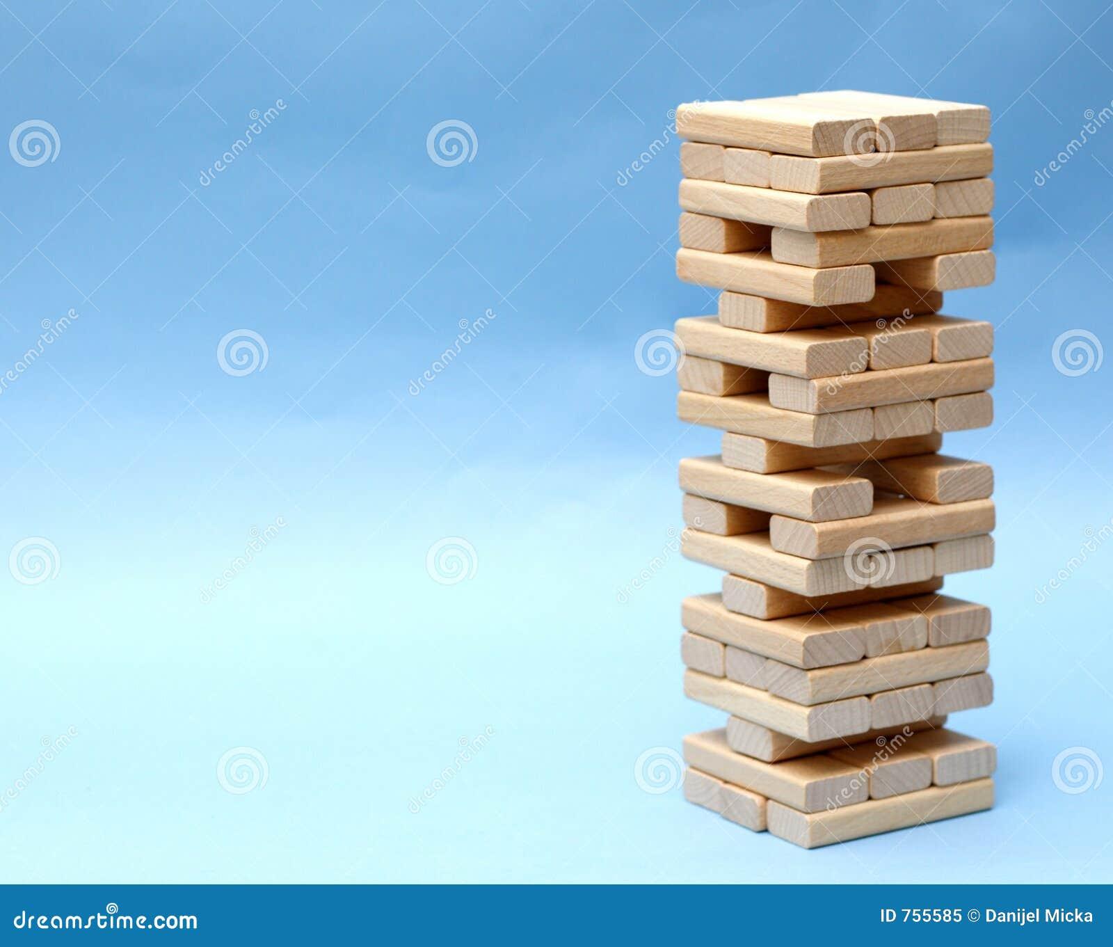 Edificio de bloques de madera