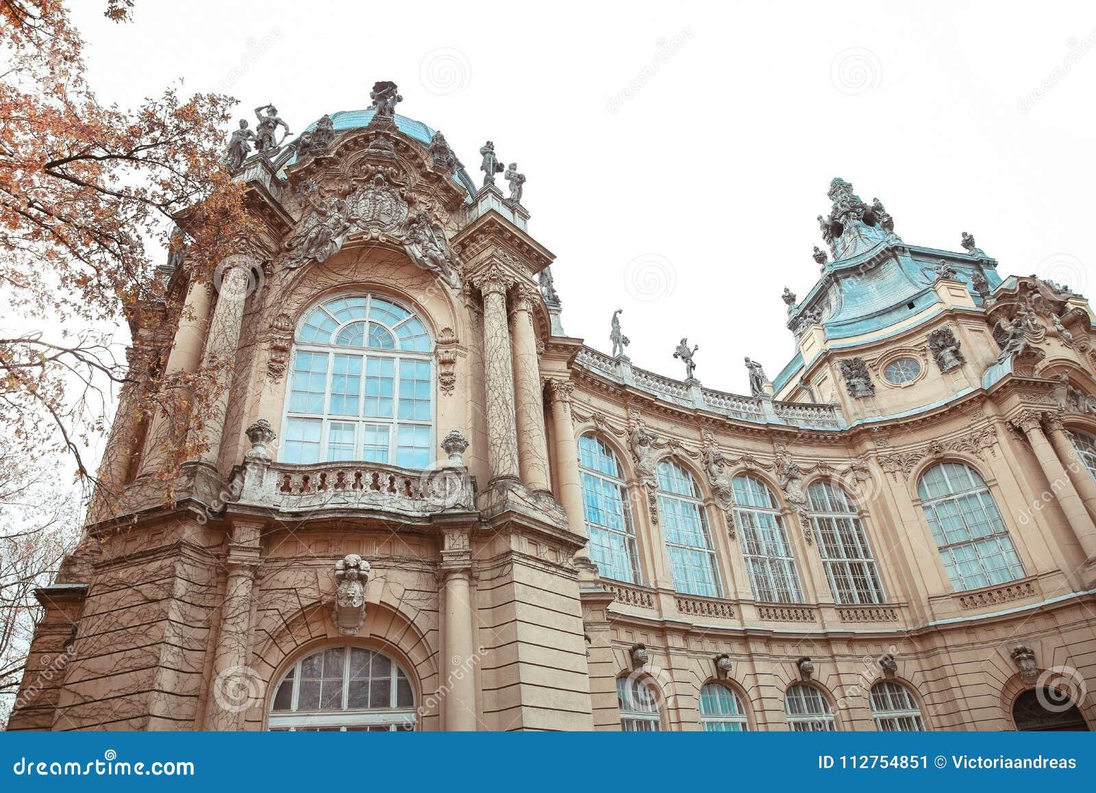 Edificio de la fachada del castillo de Vajdahunyad Budapest, Hungría