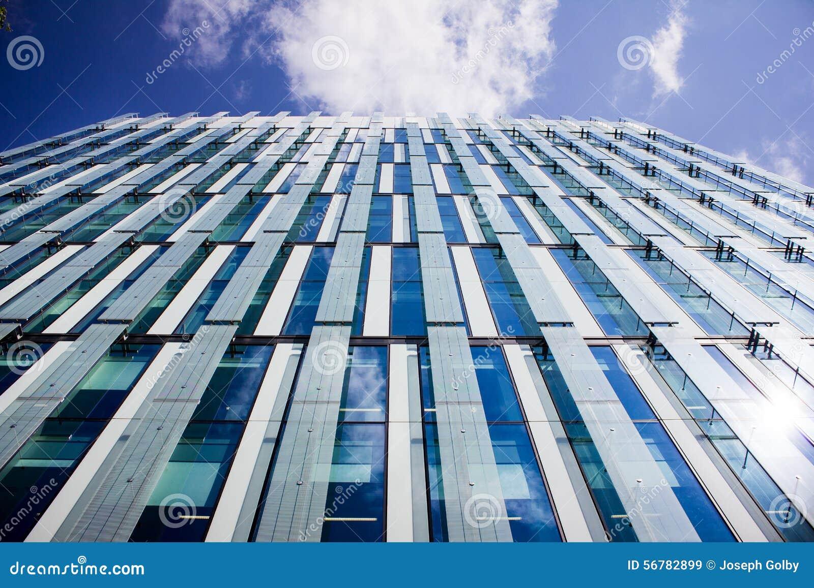 Edificio de oficinas moderno, Manchester Reino Unido