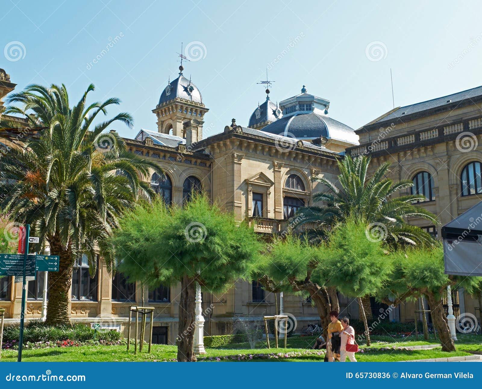 Edificio del ayuntamiento de san sebasti n donostia - Office de tourisme san sebastian espagne ...