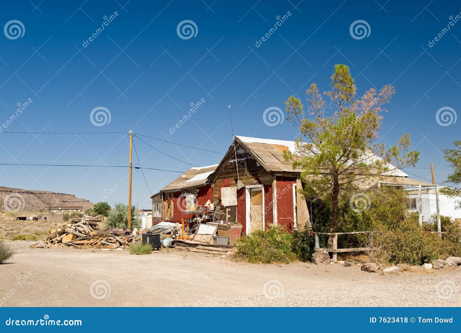 Edificio dilapidado del desierto