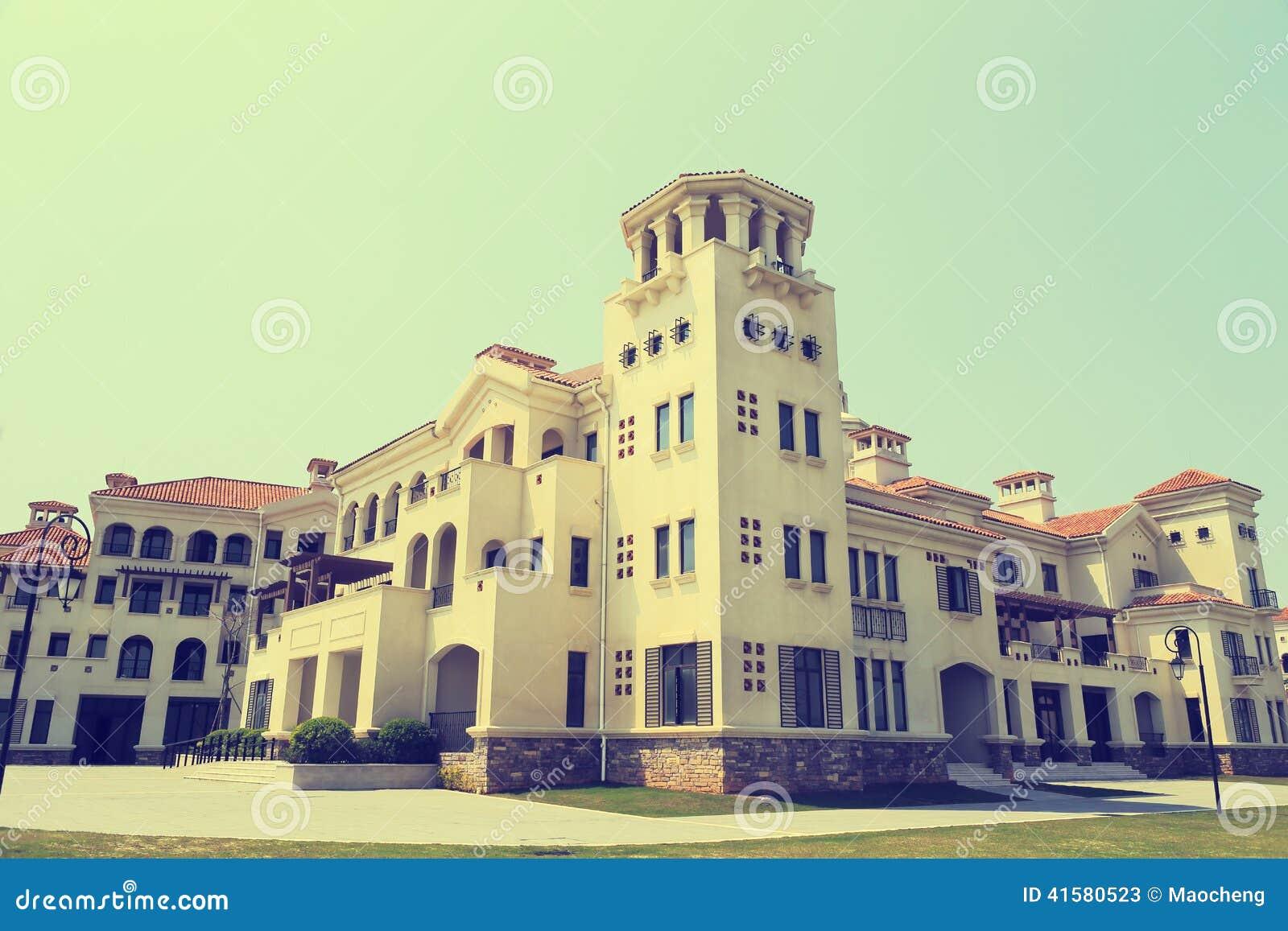 Edificio europeo grande del estilo