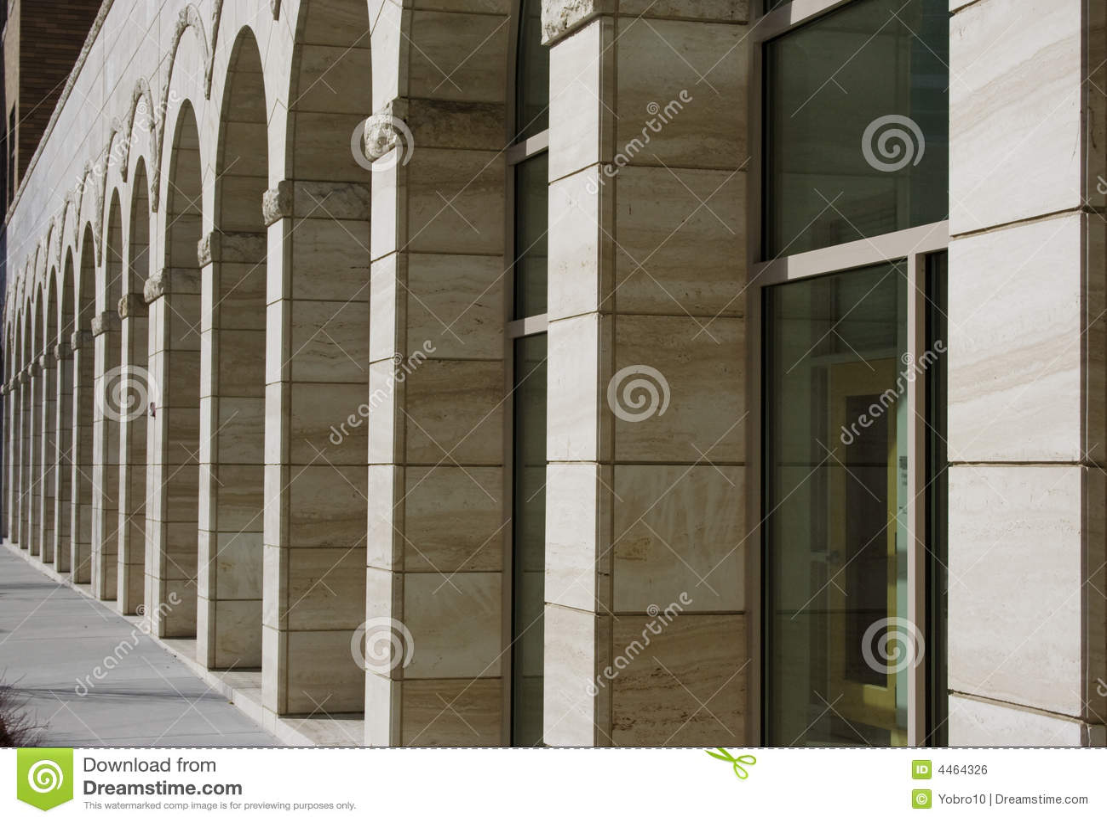Edificio exterior del asunto de la arcada
