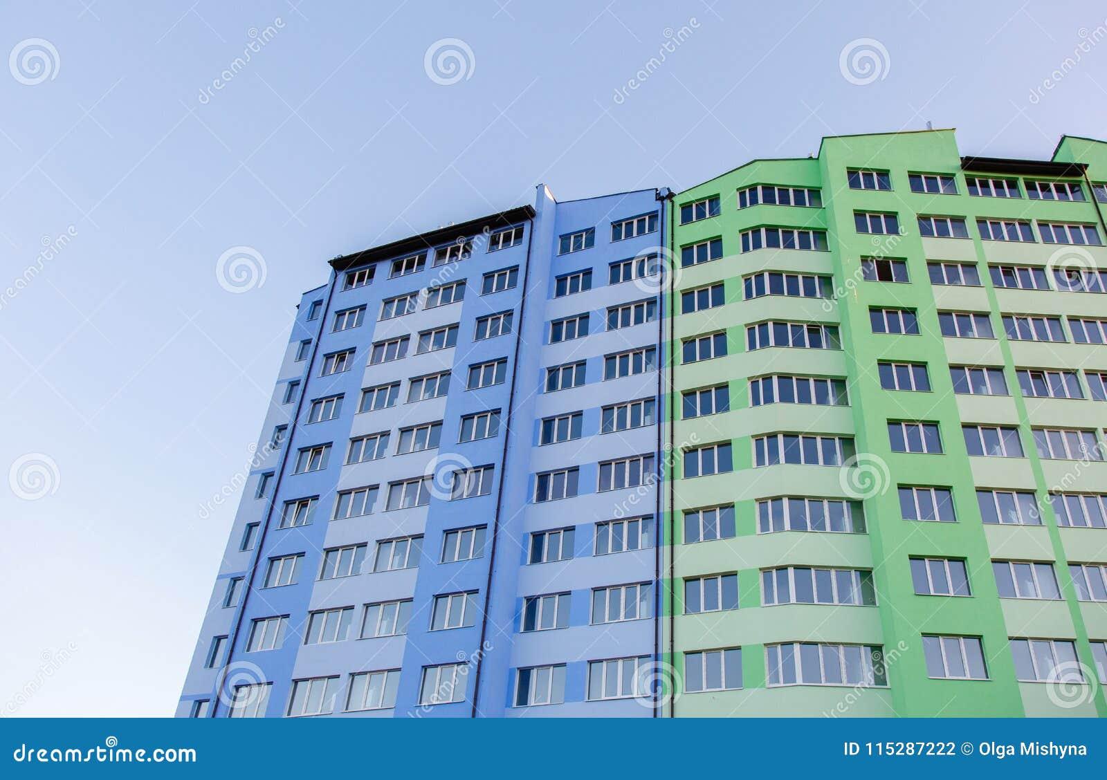 Edificio residencial de varios pisos Nuevo-construido