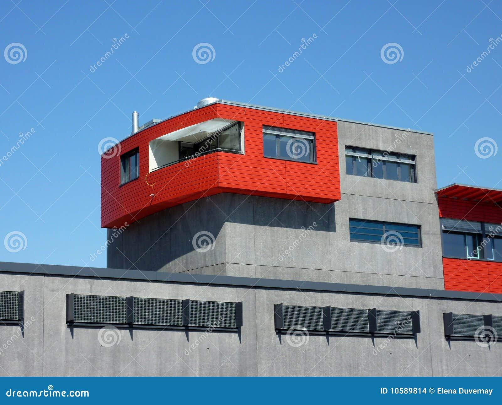 Edificio rojo y gris imagenes de archivo imagen 10589814 for Colores modernos para fachadas