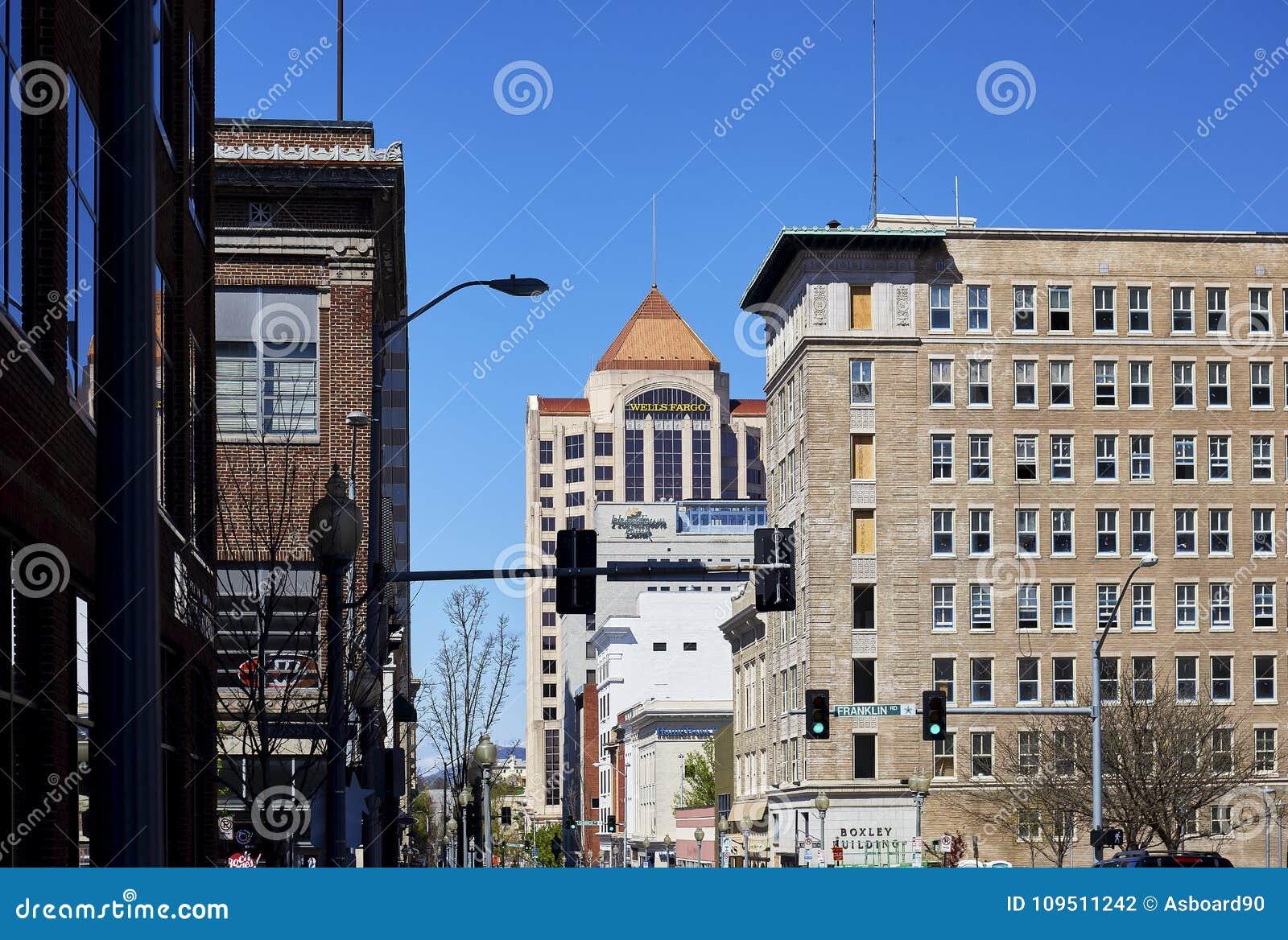 Edificio y alrededores, Roanoke, Virginia de Boxley