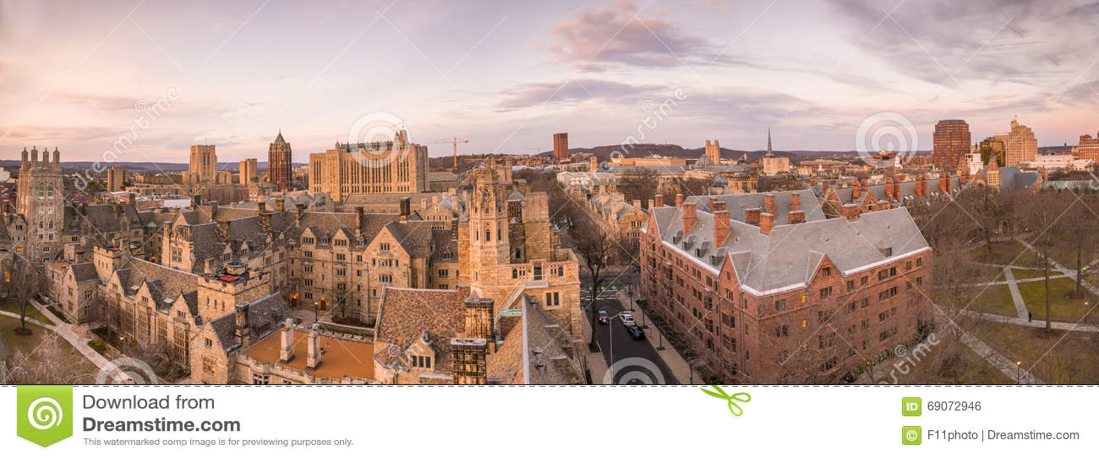 Edificio y campus de Universidad de Yale históricos
