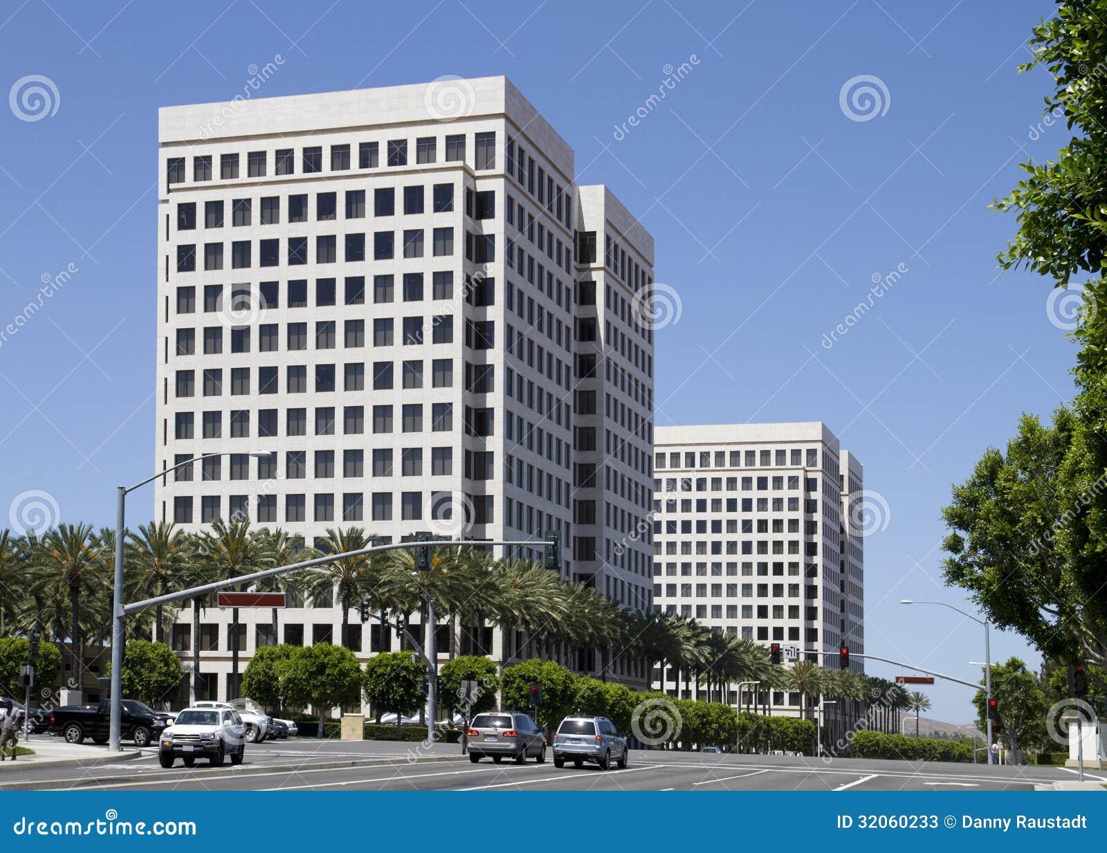 Edificios de oficinas corporativos modernos imagen de archivo imagen 32060233 - Edificio de oficinas ...