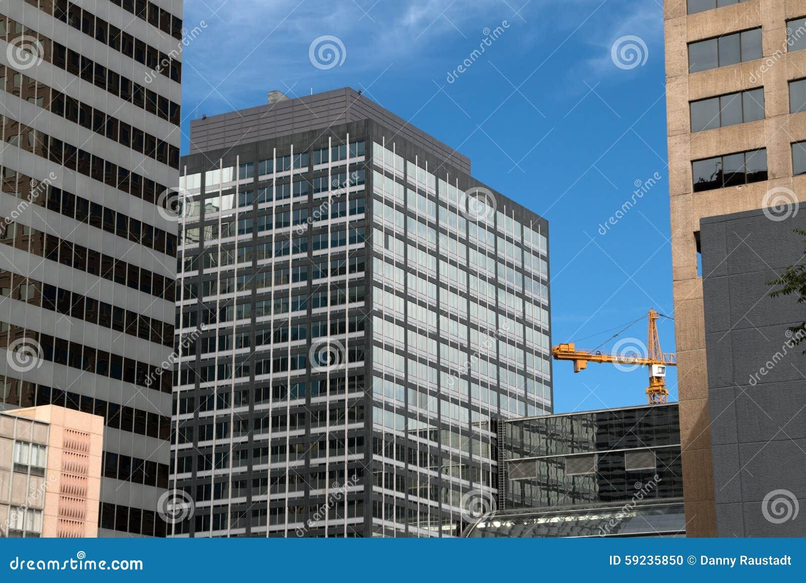 Edificios modernos céntricos en Denver, Colorado
