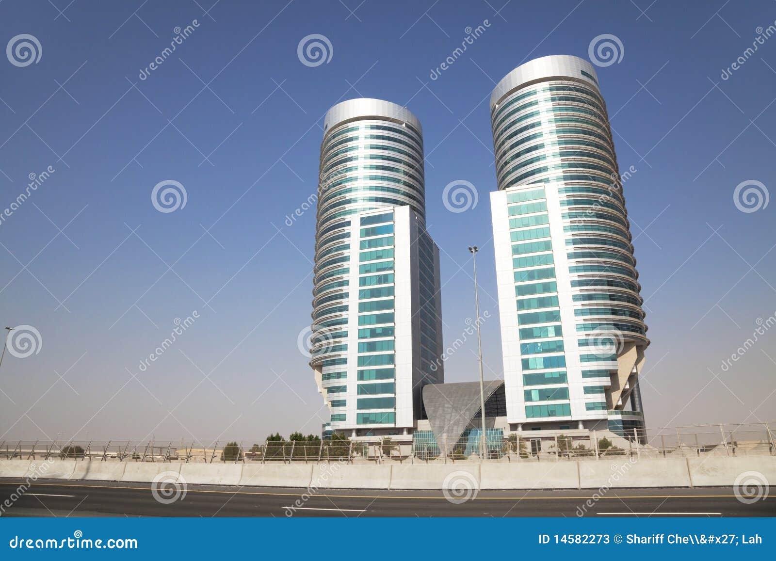 Edificios Modernos En El Desierto Dubai Uae Fotos De