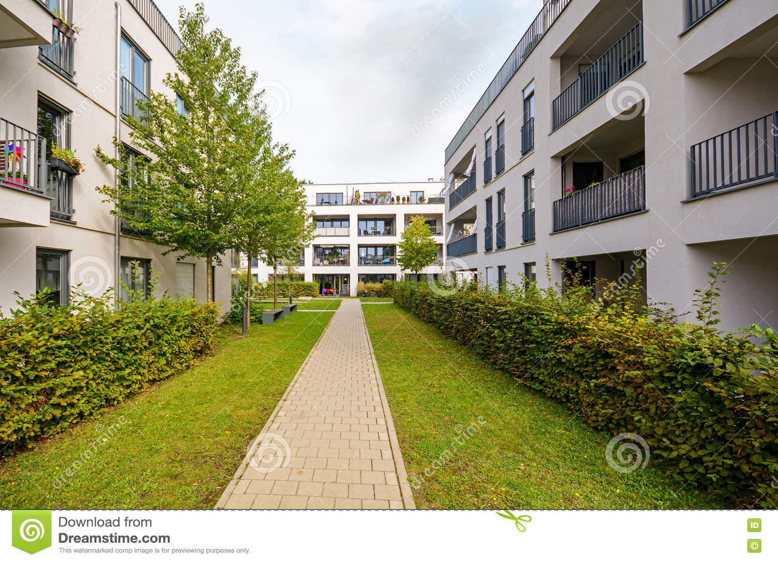 Edificios residenciales modernos apartamentos en la nueva for Apartamentos modernos 2016