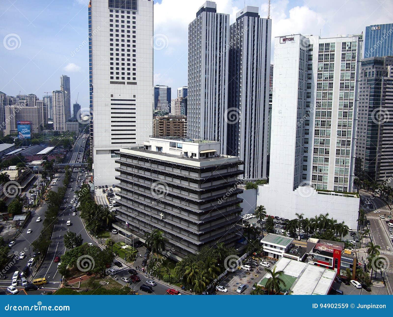 Edificios residenciales y comerciales en la ciudad de Pasig, Filipinas
