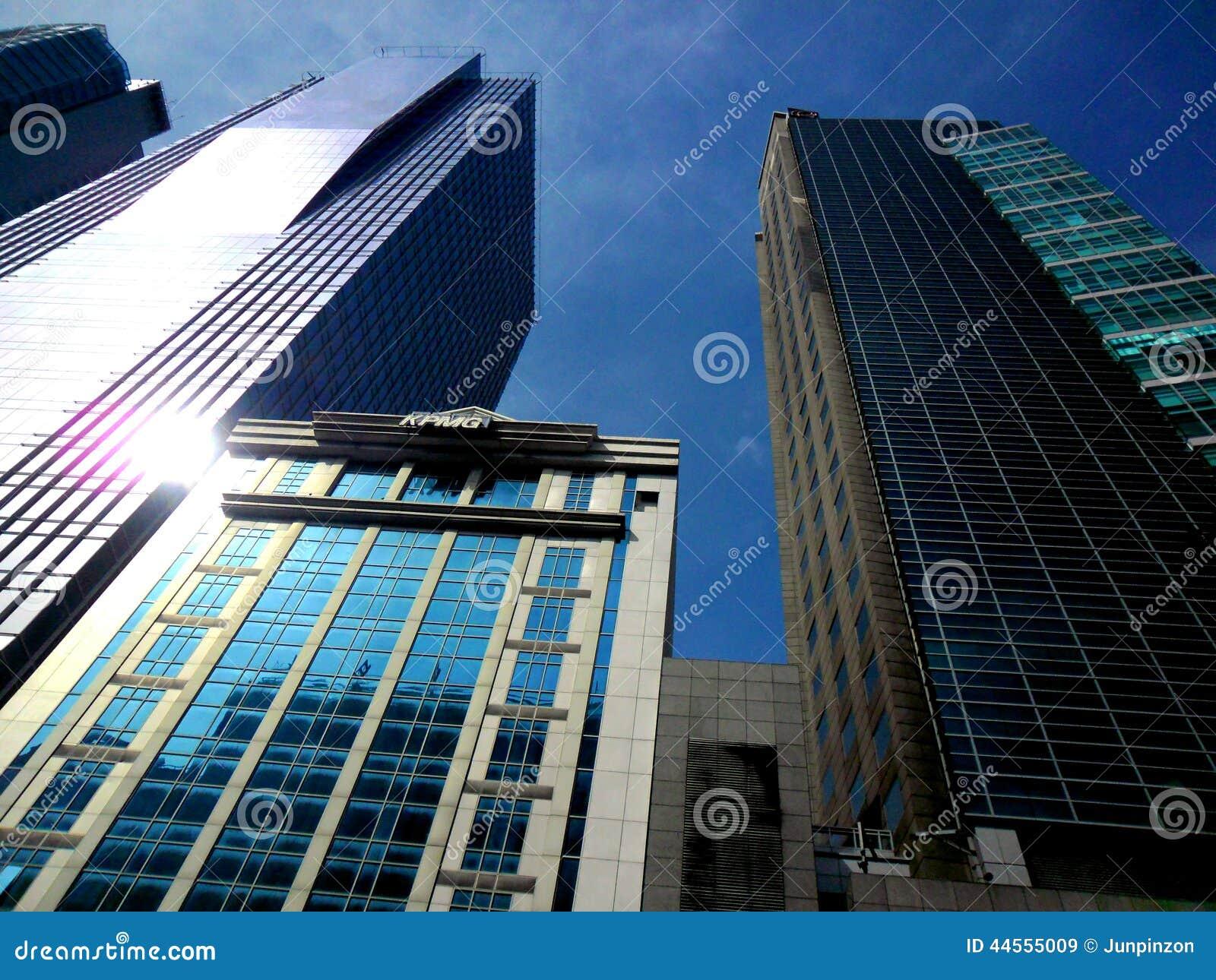 Edificios y rascacielos en Ayala, ciudad del makati, Filipinas