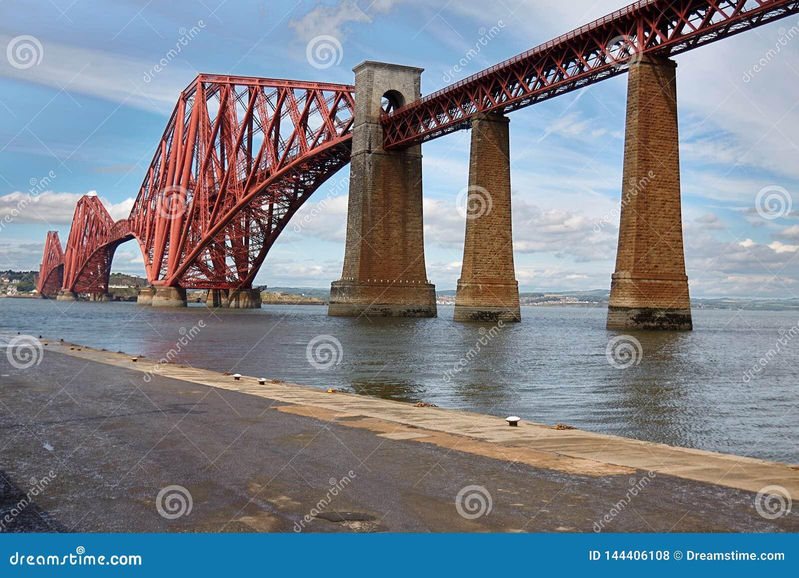 Edimburg, Szkocja czwarty most