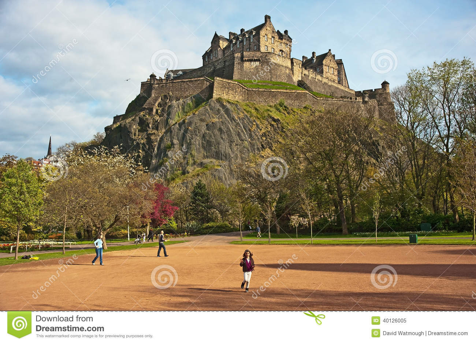 Edinburgh Castle in Spring editorial image. Image of cliff - 40126005
