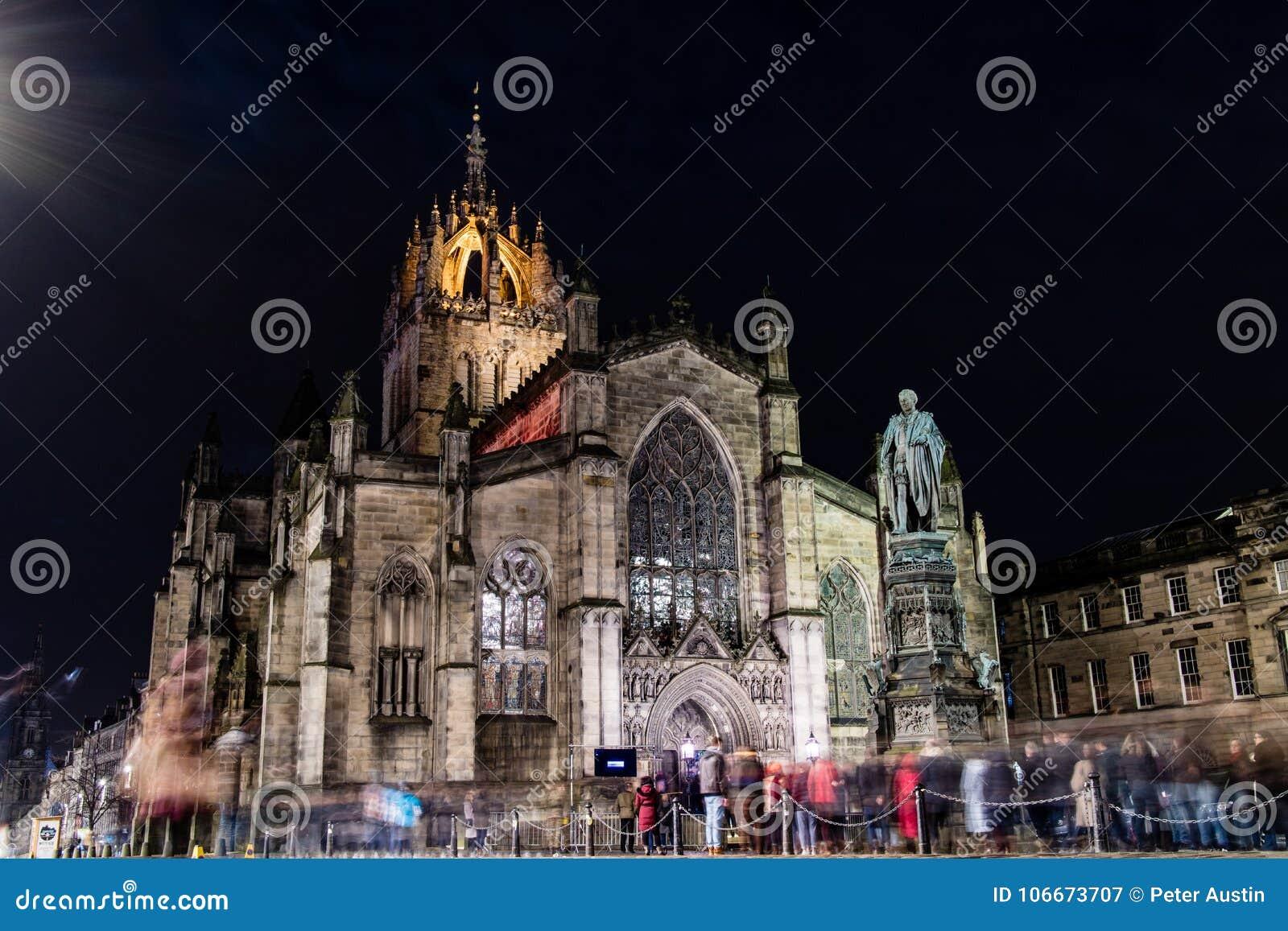 Edinburgh, het Verenigd Koninkrijk - 12/04/2017: St Giles bij nacht met