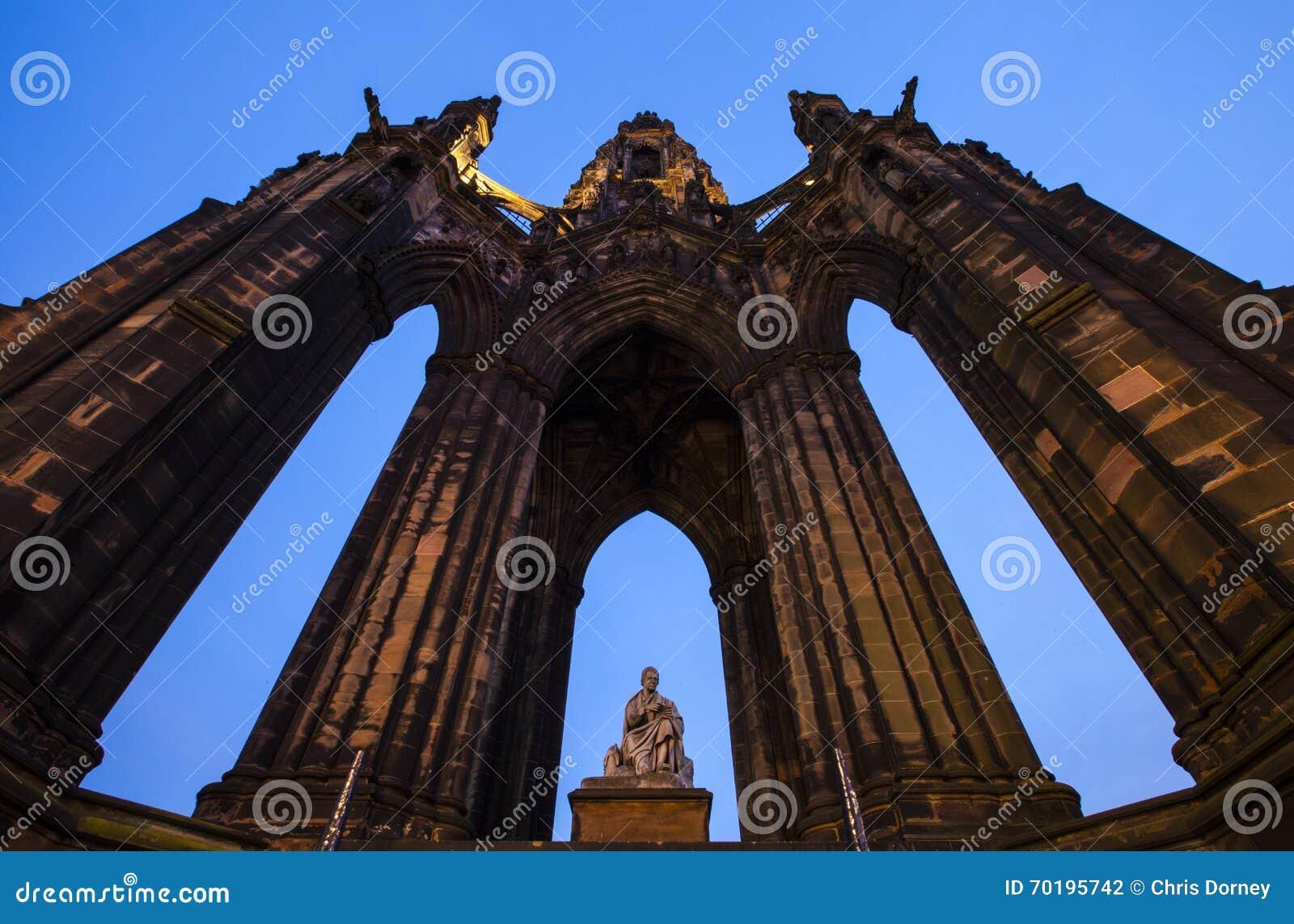 Edinburgh monument scott