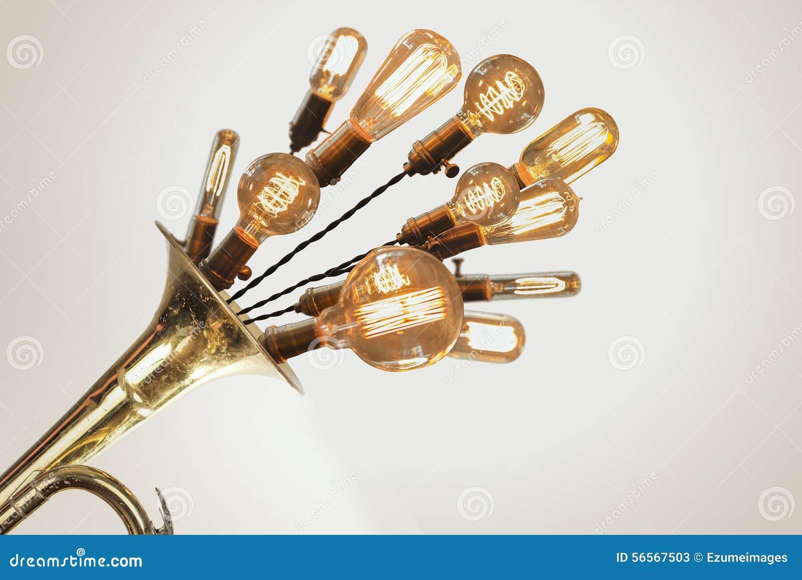 Download Edison Lightbulbs Trumpet στοκ εικόνα. εικόνα από βαθουλωμένος - 56567503