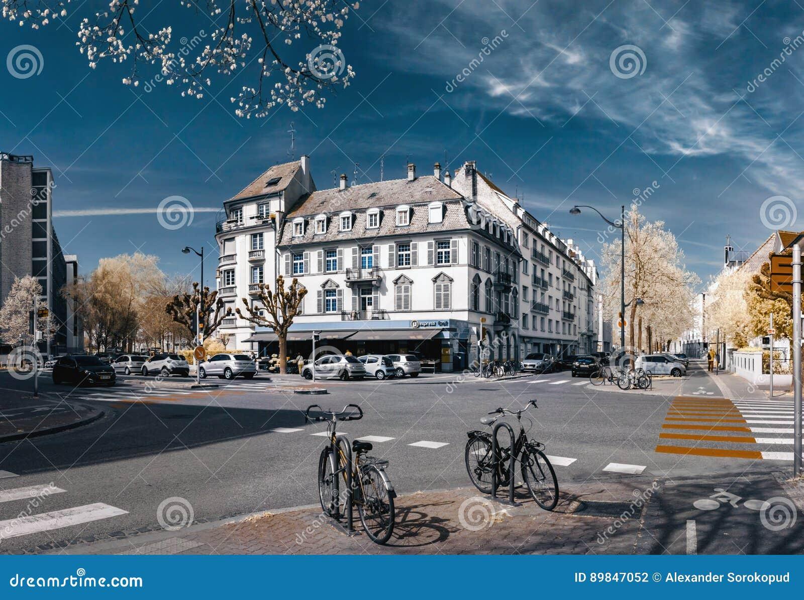 Editorial 1 De Abril De 2017 Estrasburgo Francia Bicicletas En El