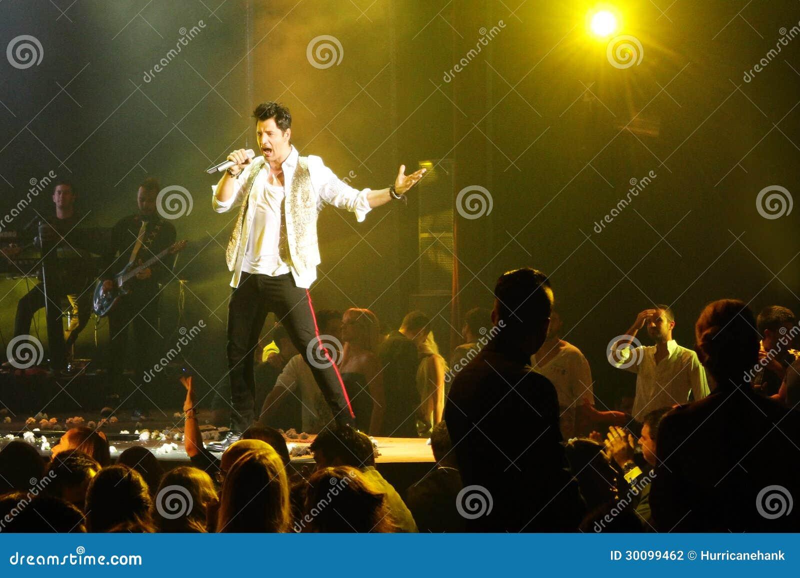 Celebrity singing fails onstage