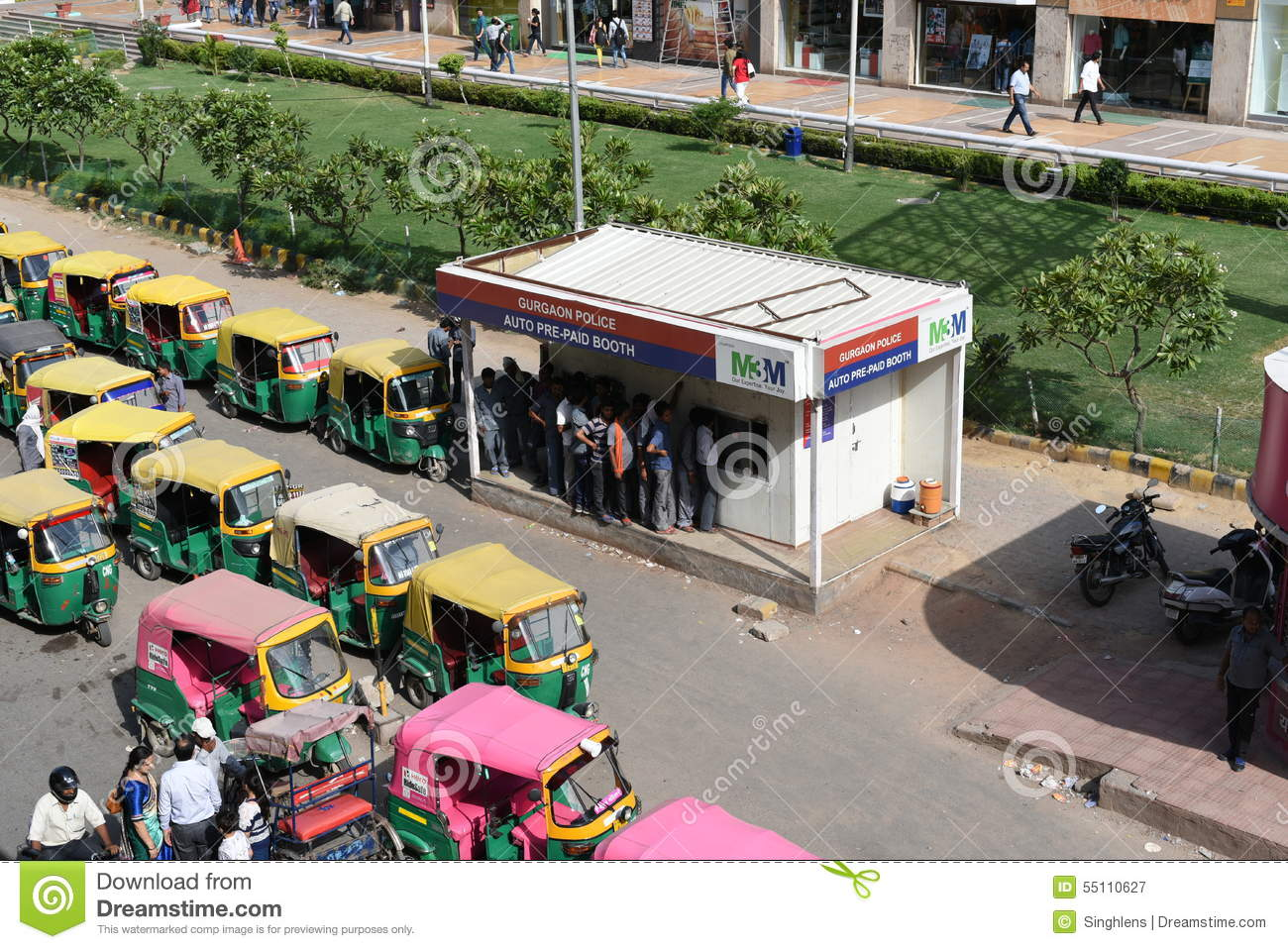 Editorial,07th June 2015:Gurgaon,Delhi,India:Auto or auto rickshaw drivers in huge queue at Prepaid booths