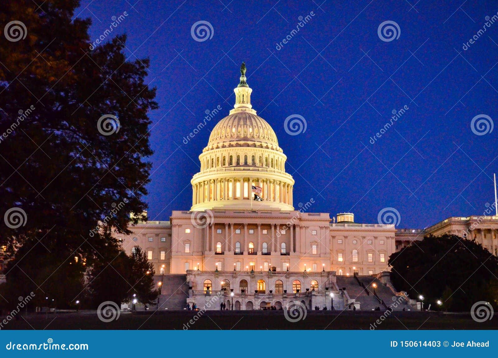 Editorial: Washington DC, los E.E.U.U. - 10 de noviembre de 2017 El edificio del capitolio de Estados Unidos en Washington DC en