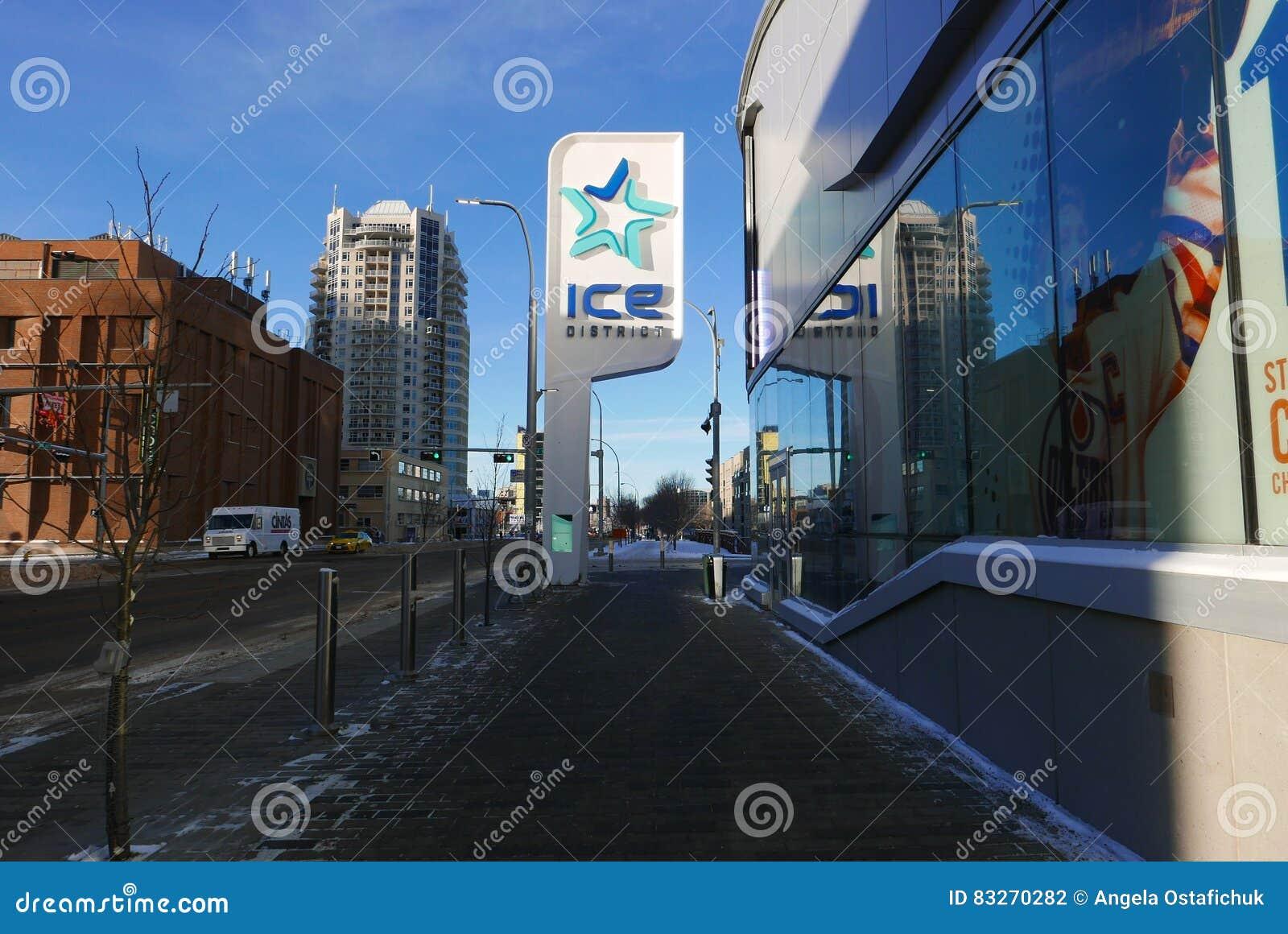Edmonton, 27 Canada-December, 2016: De Plaats van Roger ` s in het Ijsdistrict van Edmonton ` s