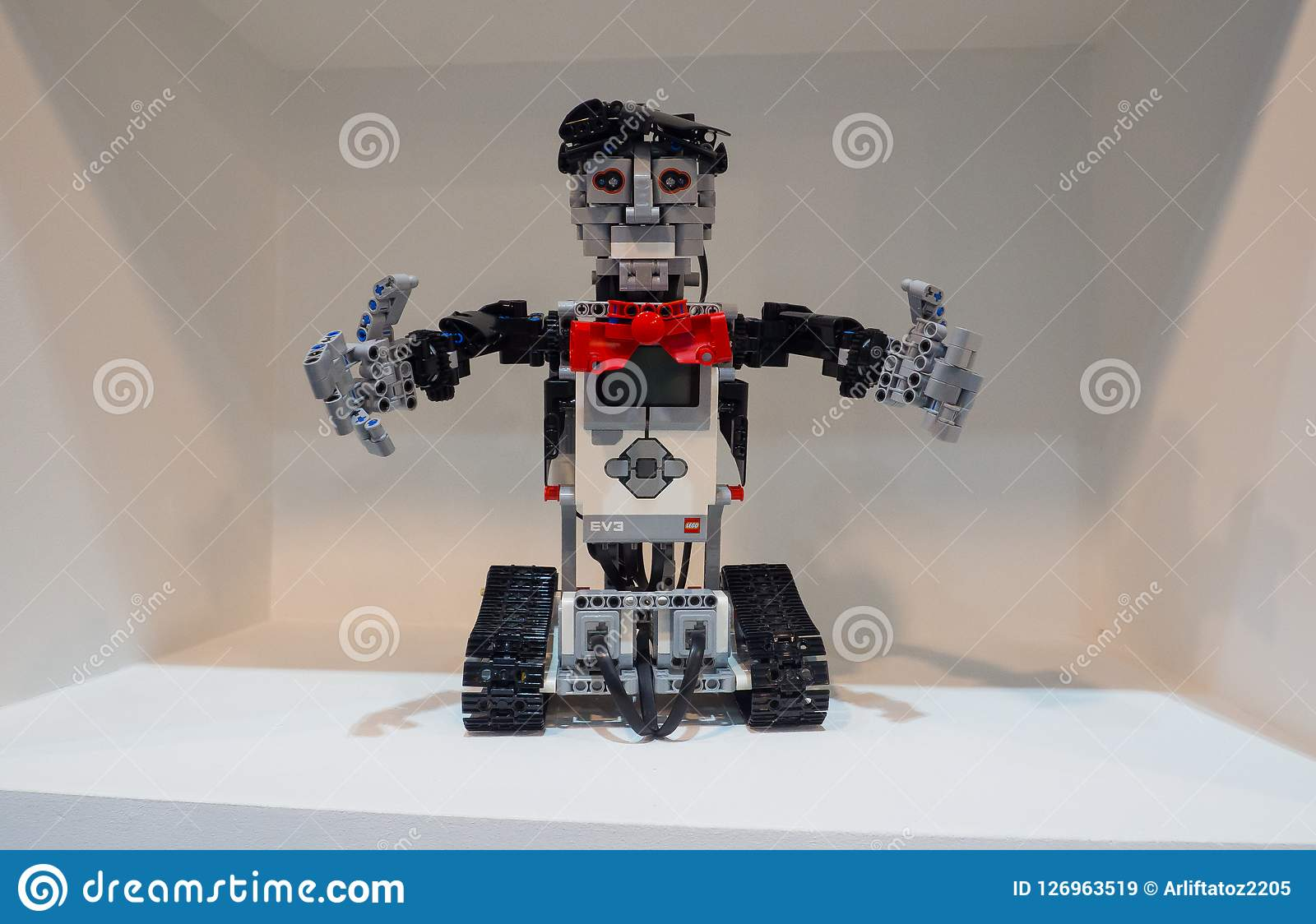 The Education Edition Of Lego Mindstorms EV3 Is The Third