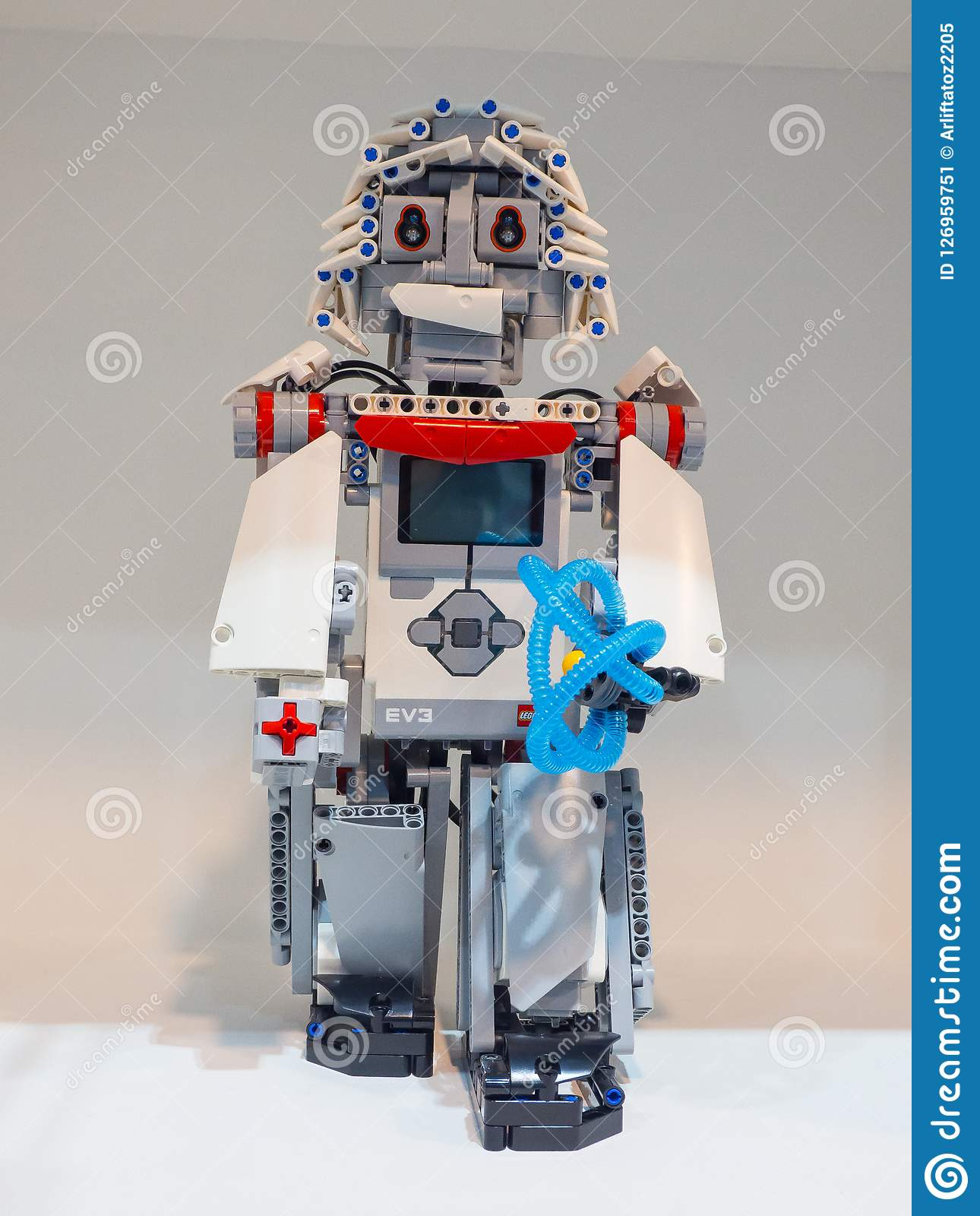 The Education Edition Of Lego Mindstorms EV3 Is The Third Generation