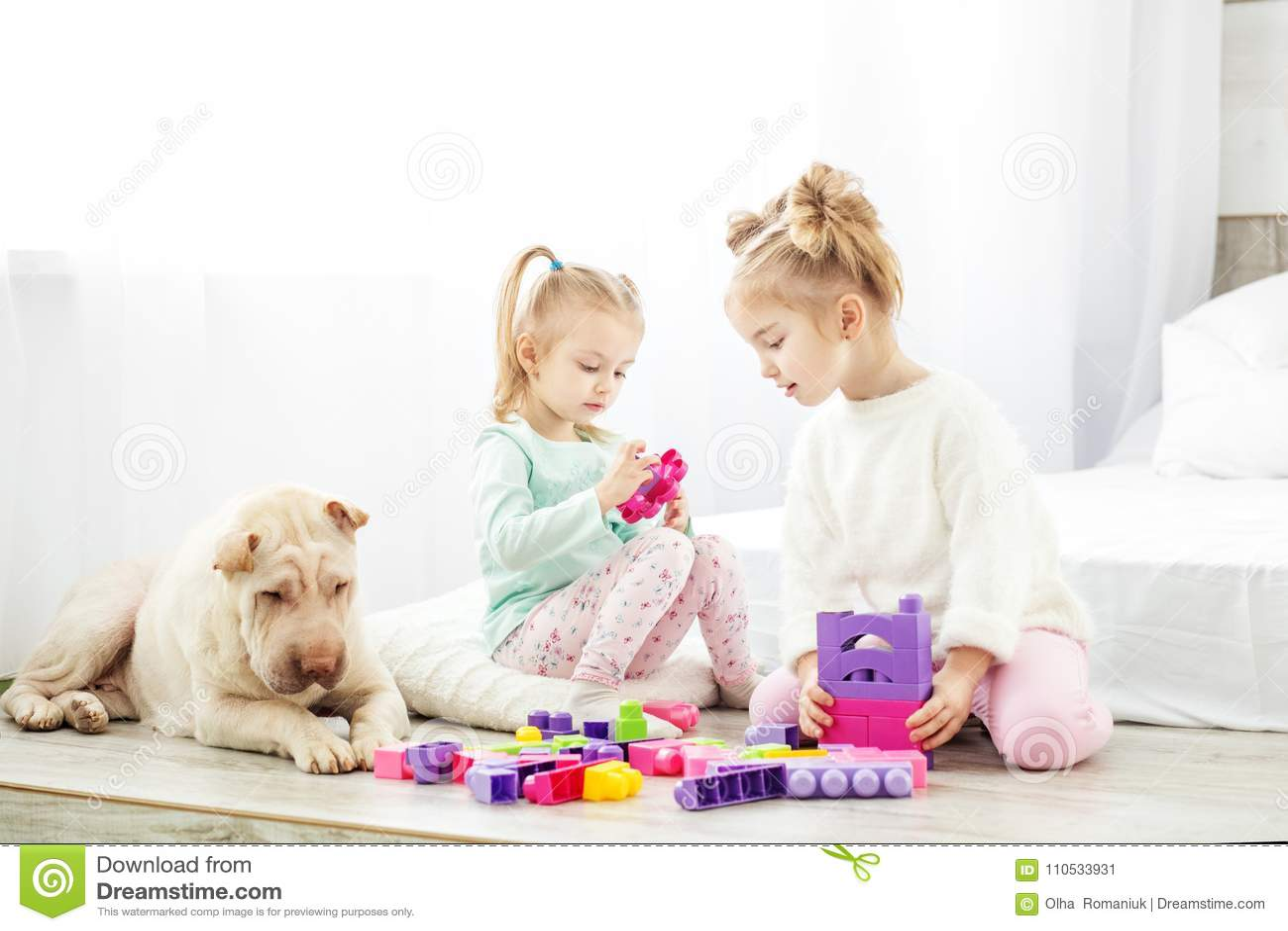 Edukacyjne zabawki dla preschool i dziecina dziecka dziecko dwa