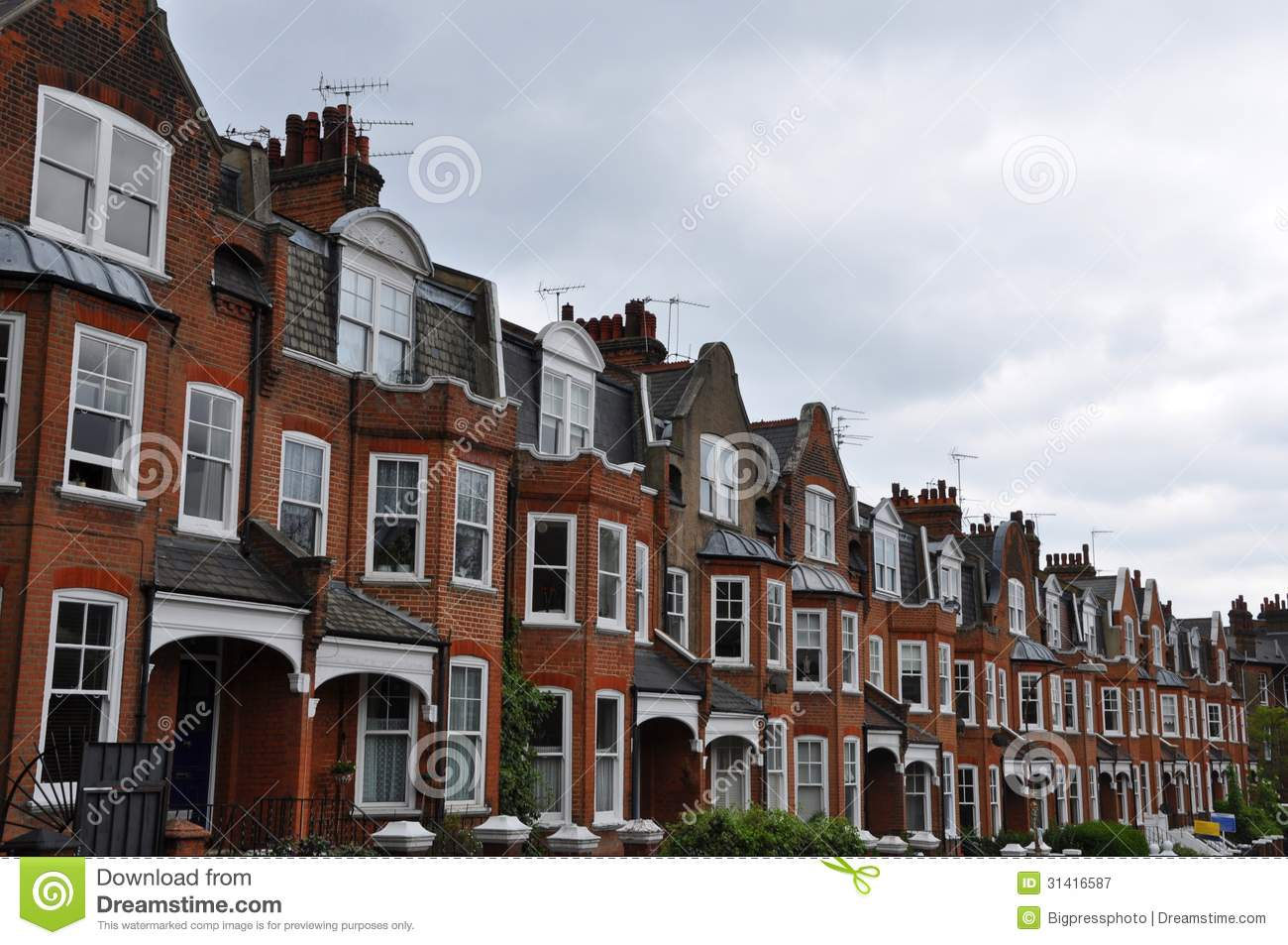 An entire road of Edwardian mansions in perspective Hillgate North ...
