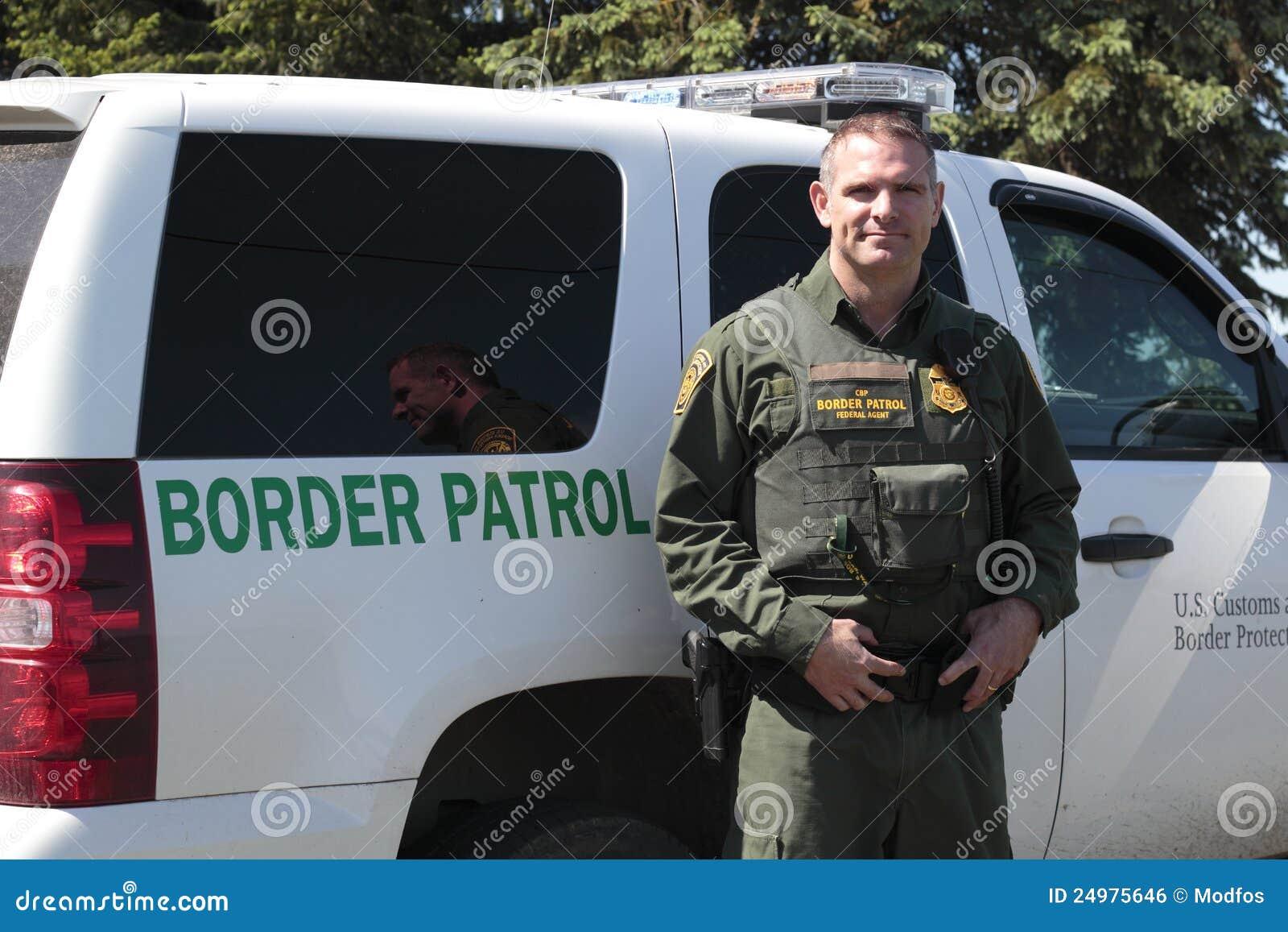 Een ambtenaar van de Patrouille van de Grens van de V.S.