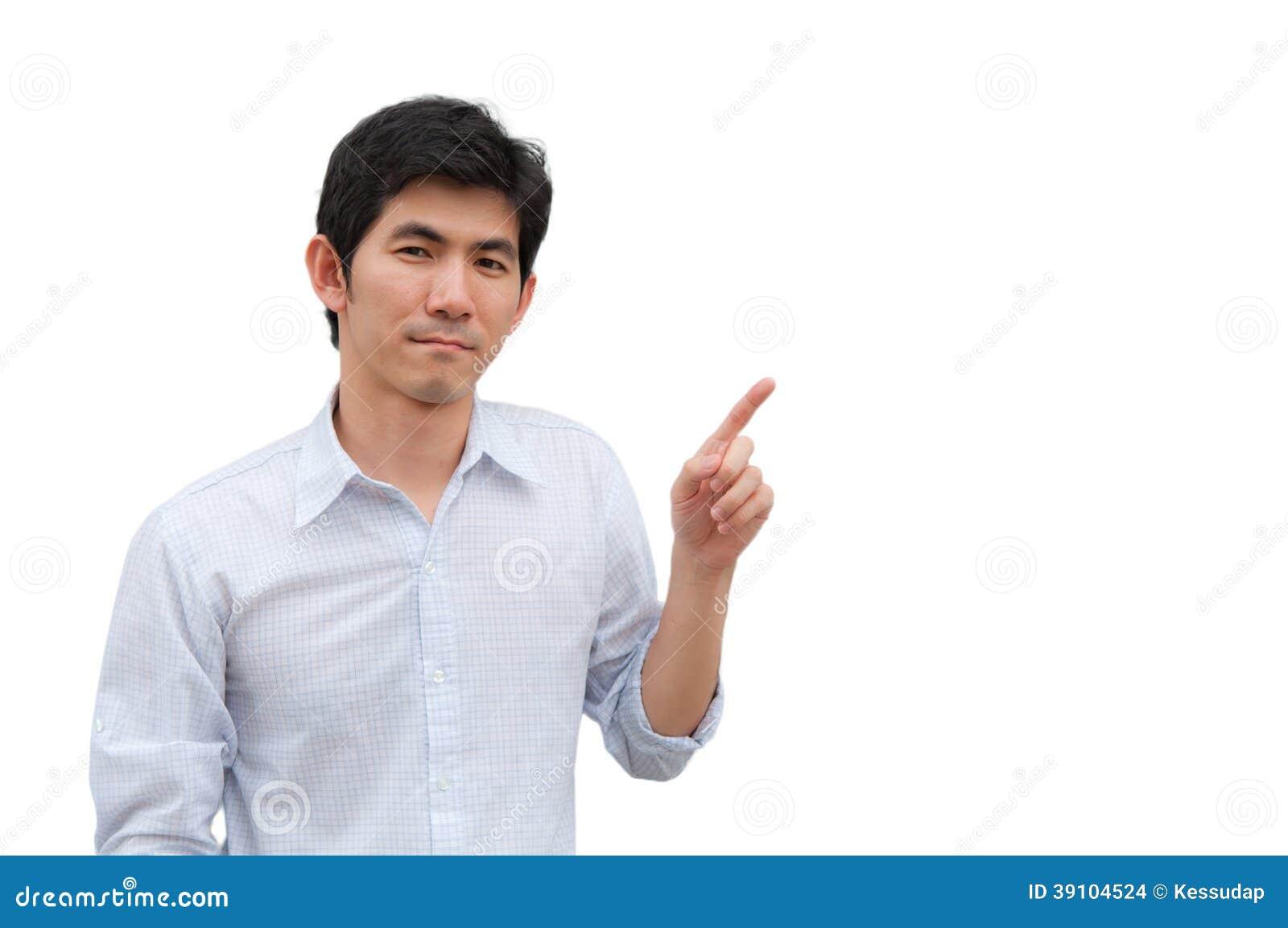 Een Aziatische mens richt zijn hand als huidig product