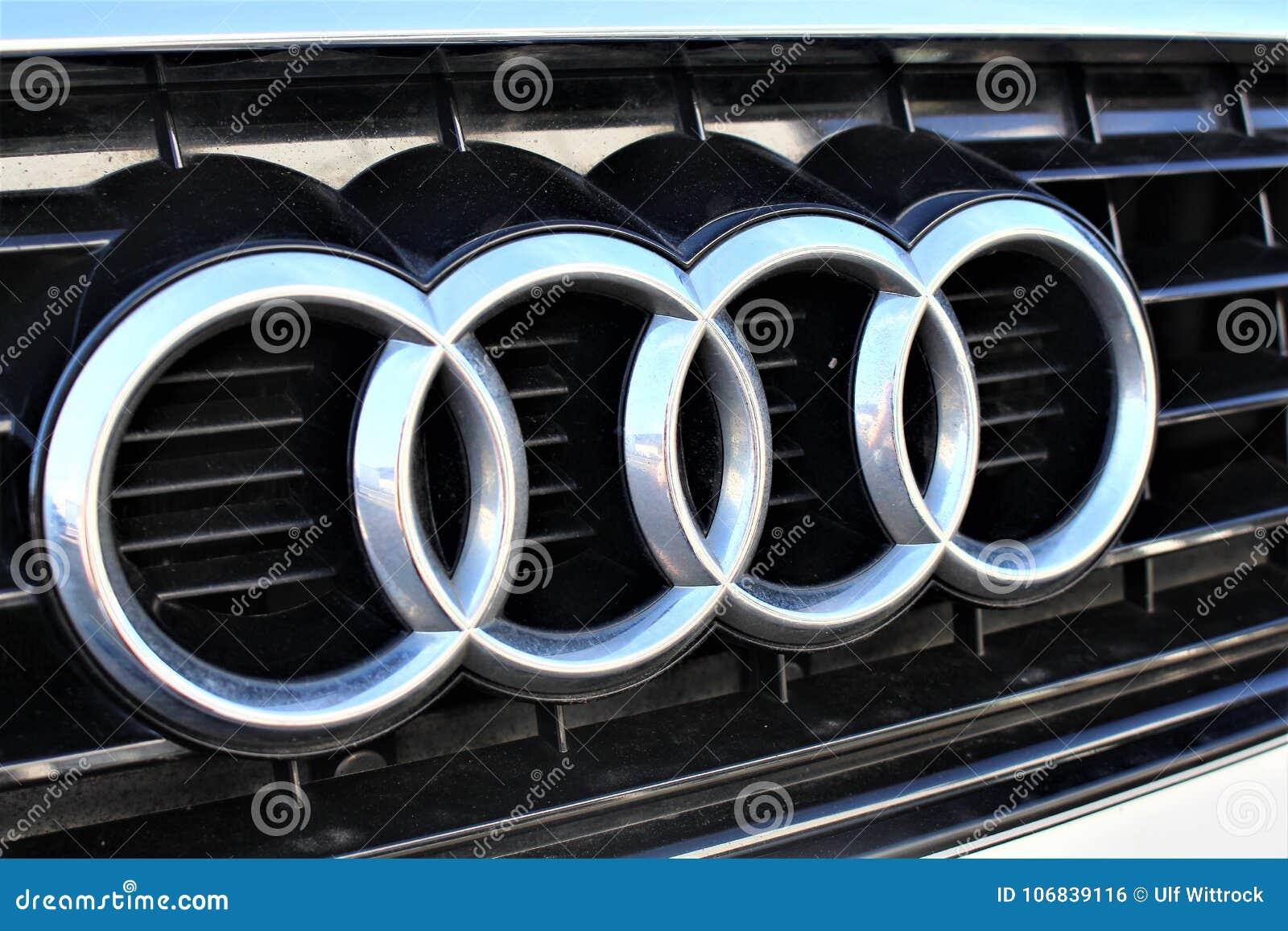 Een beeld van een Audi-embleem - Hameln/Duitsland - 07/18/2017
