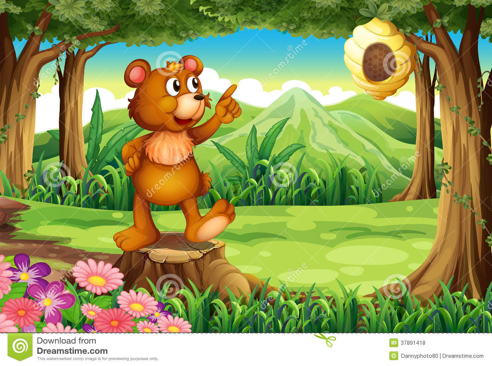 Een beer bij het bos die zich boven de stomp dichtbij de bijenkorf bevinden