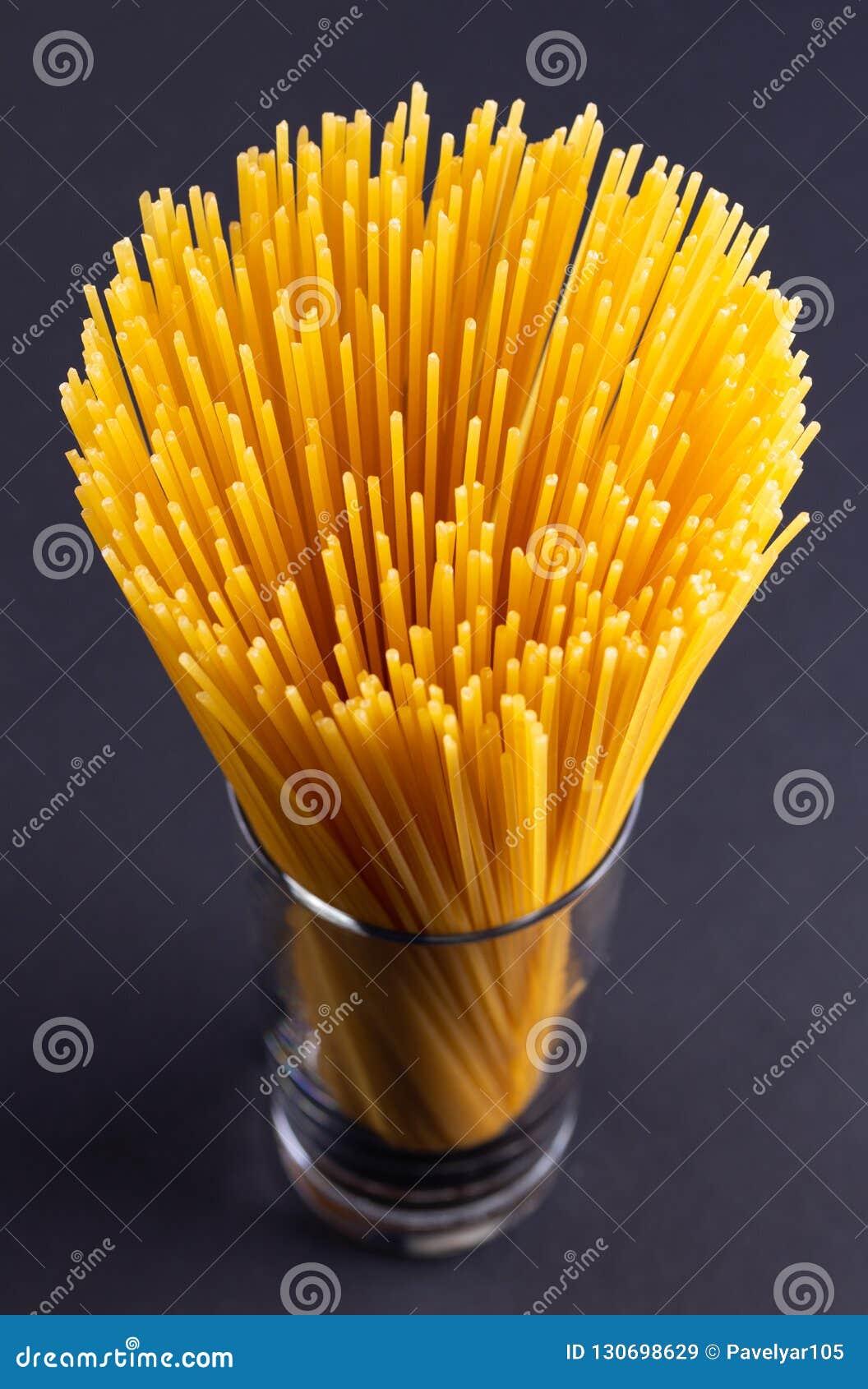 Een boeket van spaghetti