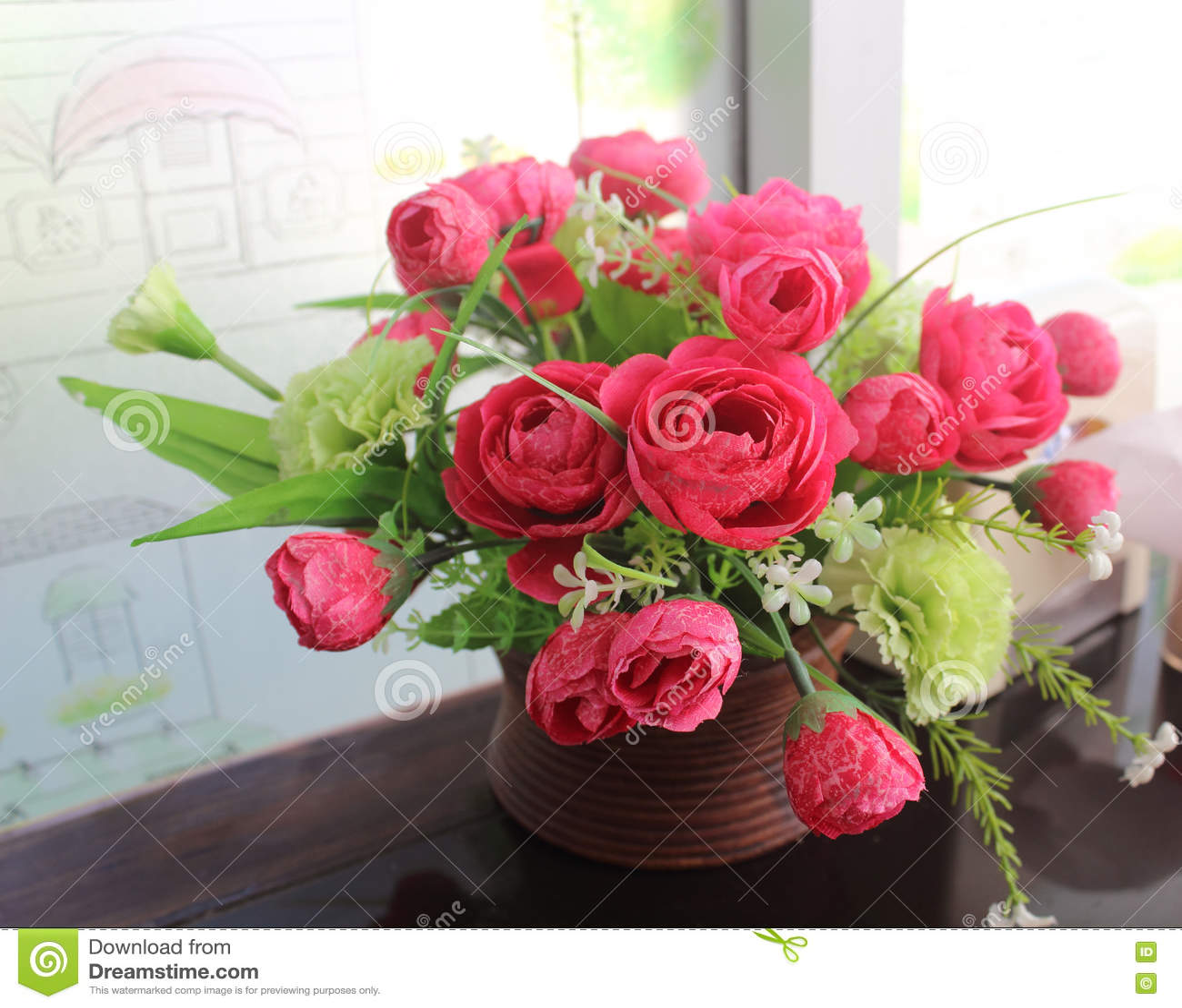 Fonkelnieuw Een Bos Van Mooie Kunstbloemen In Een Vaas Stock Foto - Afbeelding SC-95
