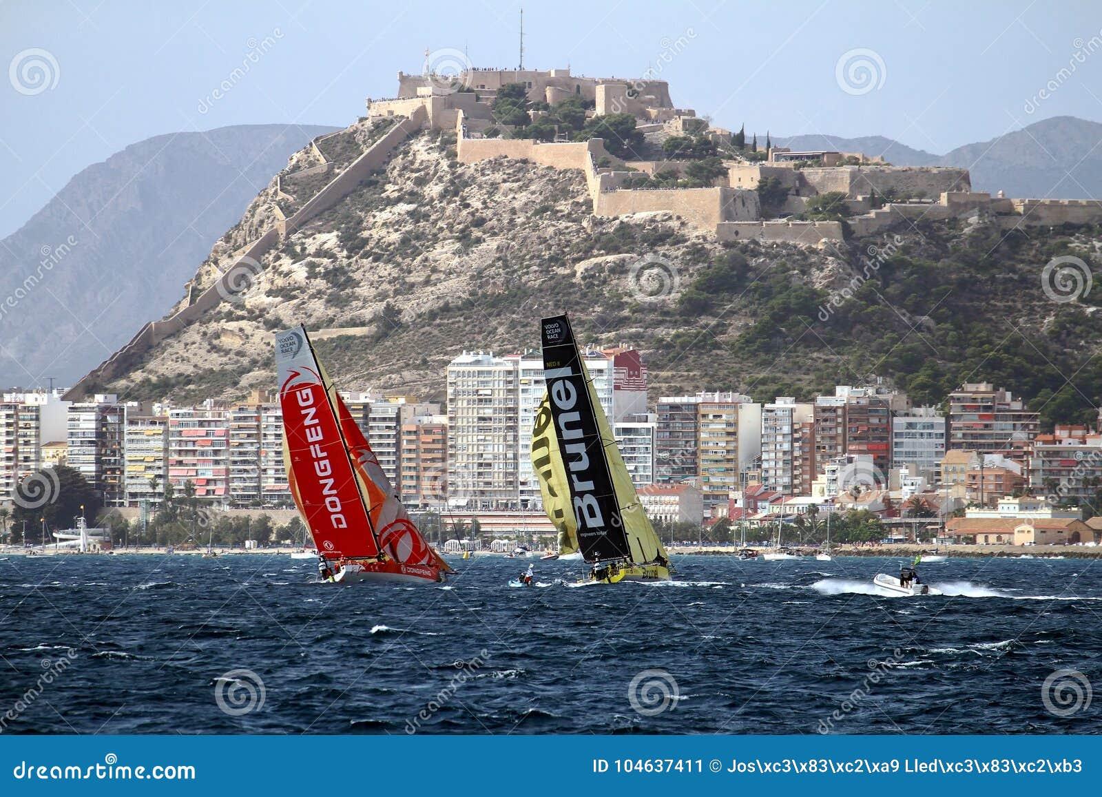 Download Een Deel Die Van VOR-vloot Na Beginbeen 1 Alicante-Lissabon Varen Redactionele Foto - Afbeelding bestaande uit santa, haven: 104637411