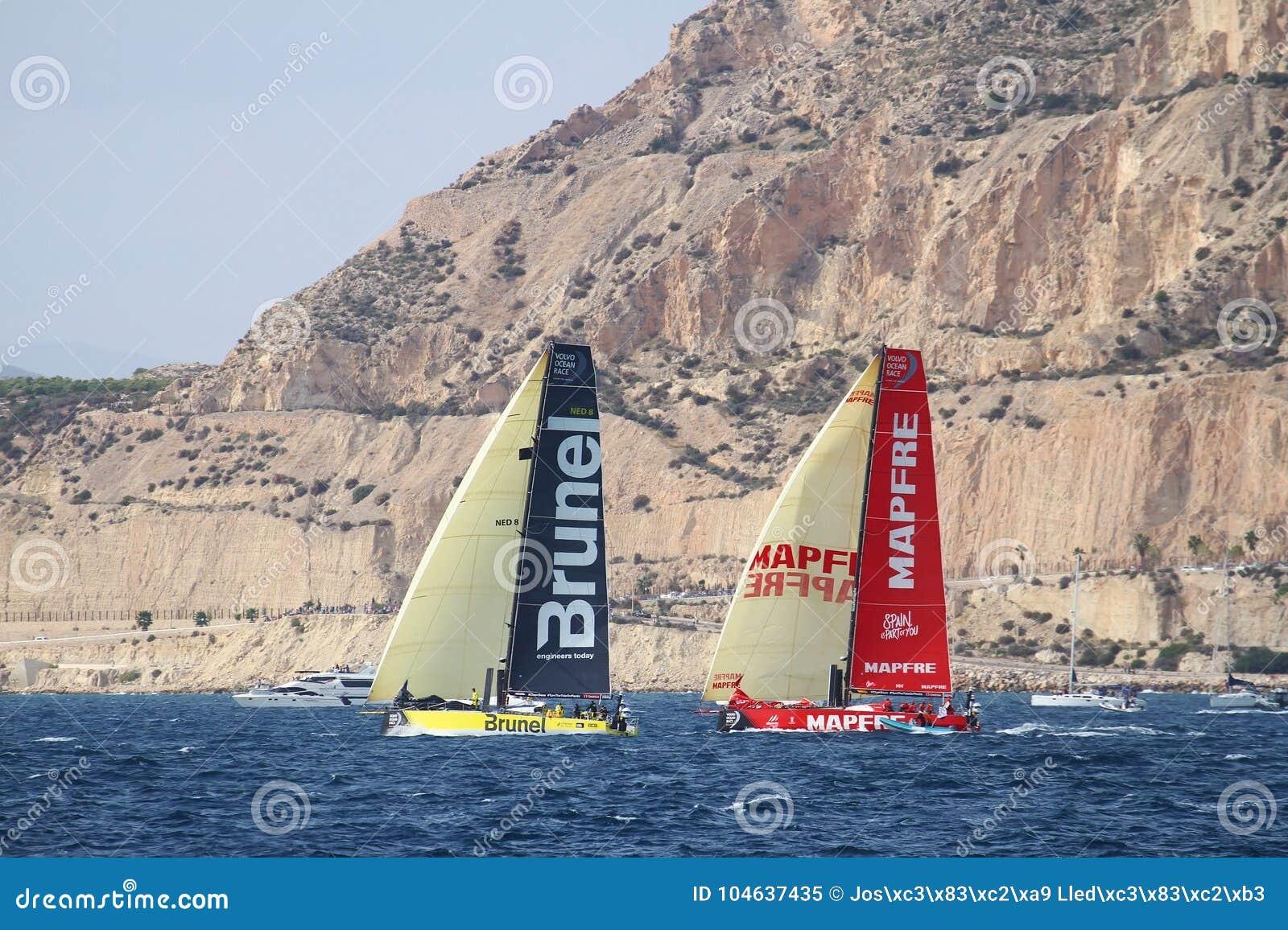 Download Een Deel Die Van VOR-vloot Na Beginbeen 1 Alicante-Lissabon Varen Redactionele Afbeelding - Afbeelding bestaande uit fighting, oceaan: 104637435