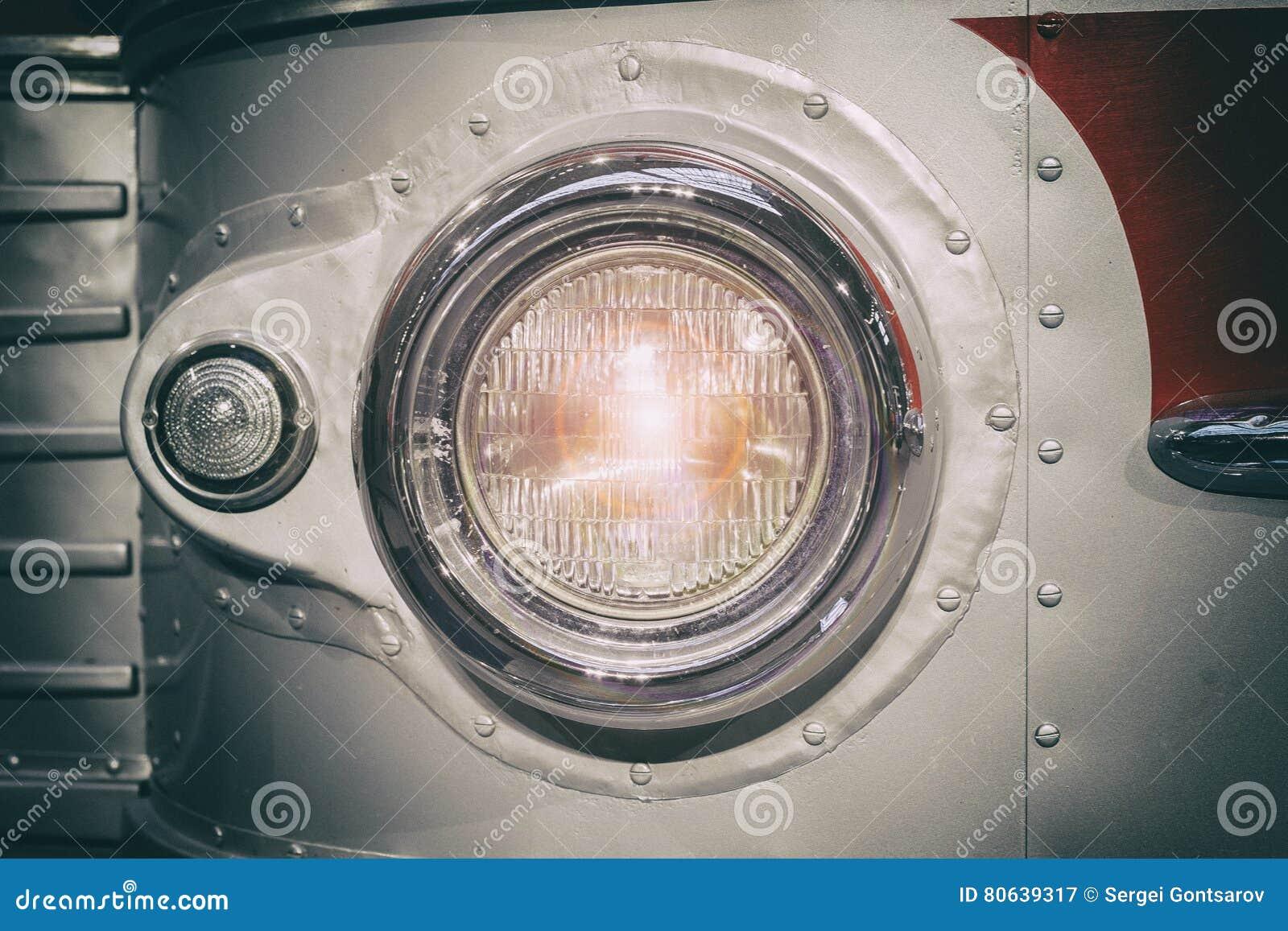 Een deel van retro stijlbus koplamp gestemd Selectieve nadruk