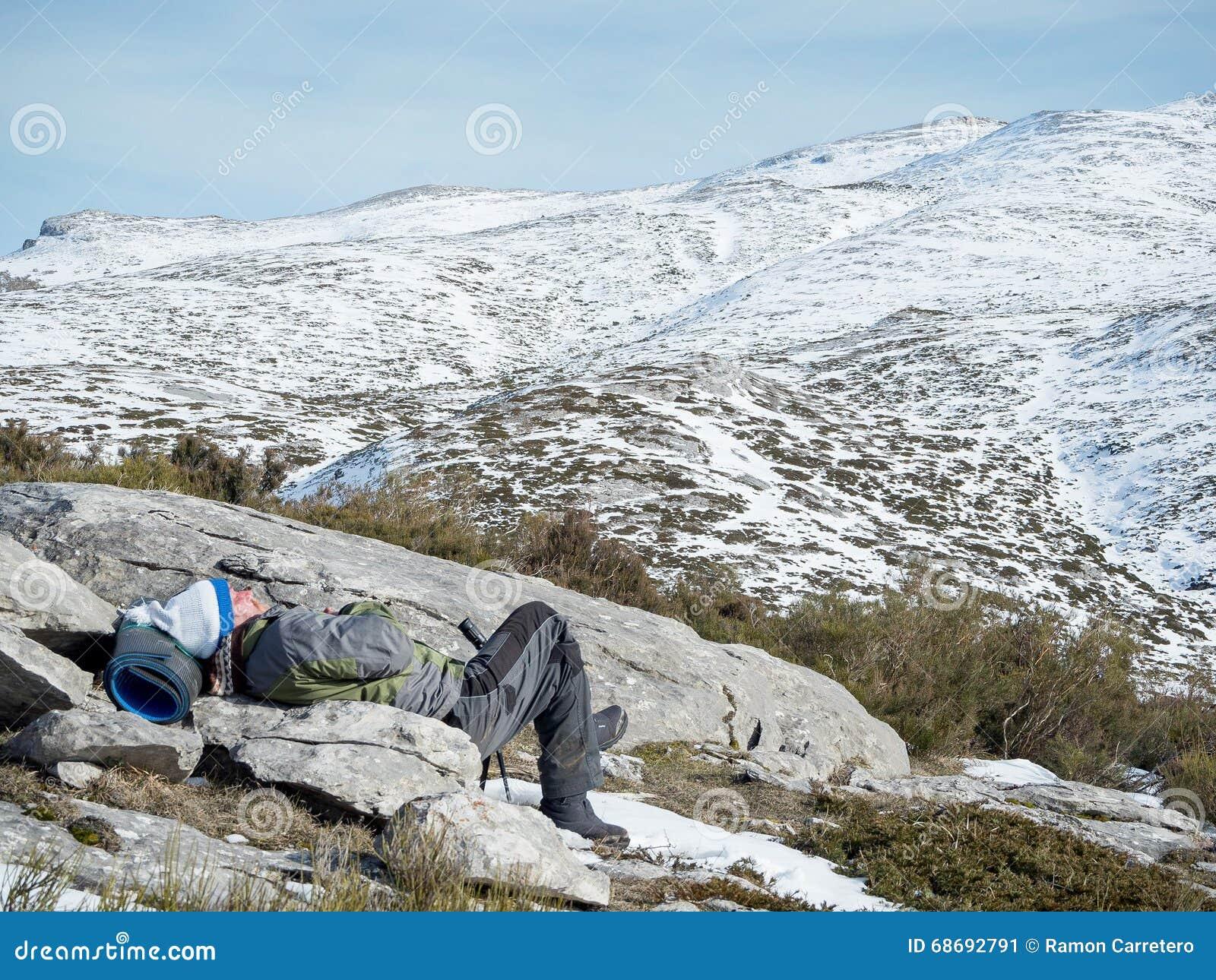 Een dutje op de berg
