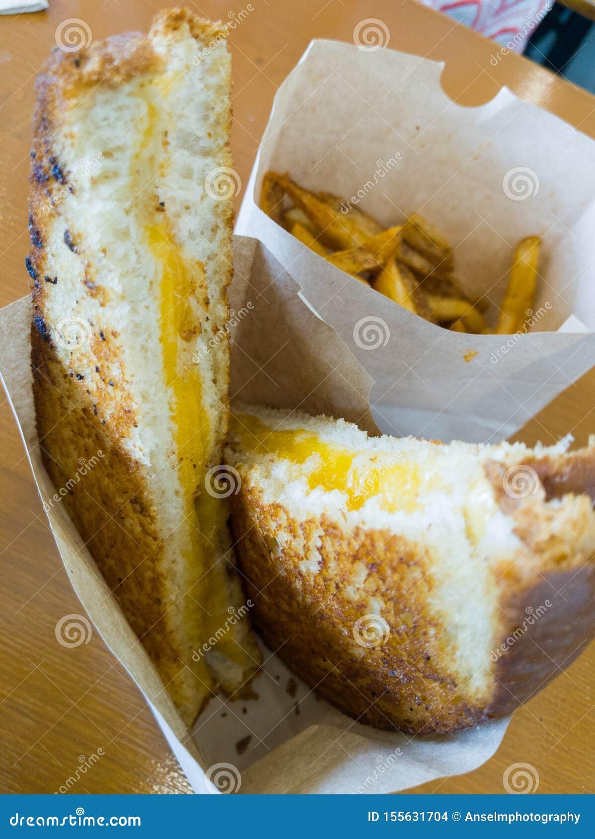 Een Fanyastic-Sandwich van de Grillkaas