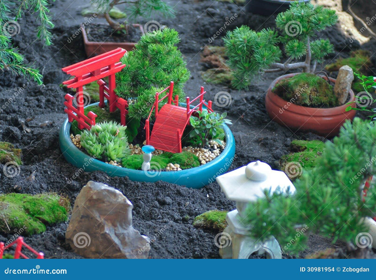 Feng Shui Tuin : Een feng shuituin stock foto. afbeelding bestaande uit tuin 30981954