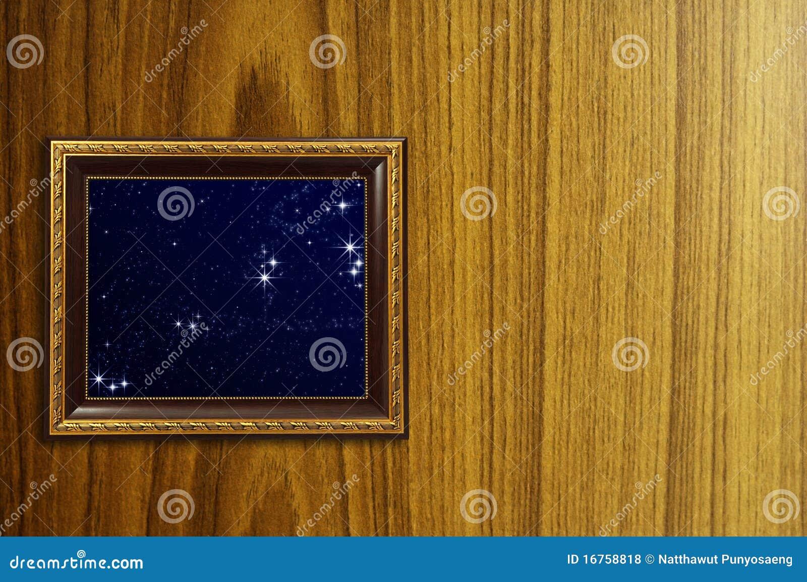 Een foto van een houten omlijsting