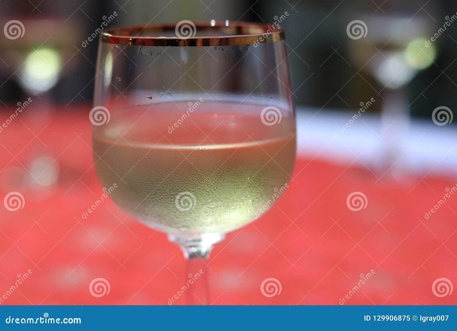 Een glas mousserende wijn Champagne Kerstmis